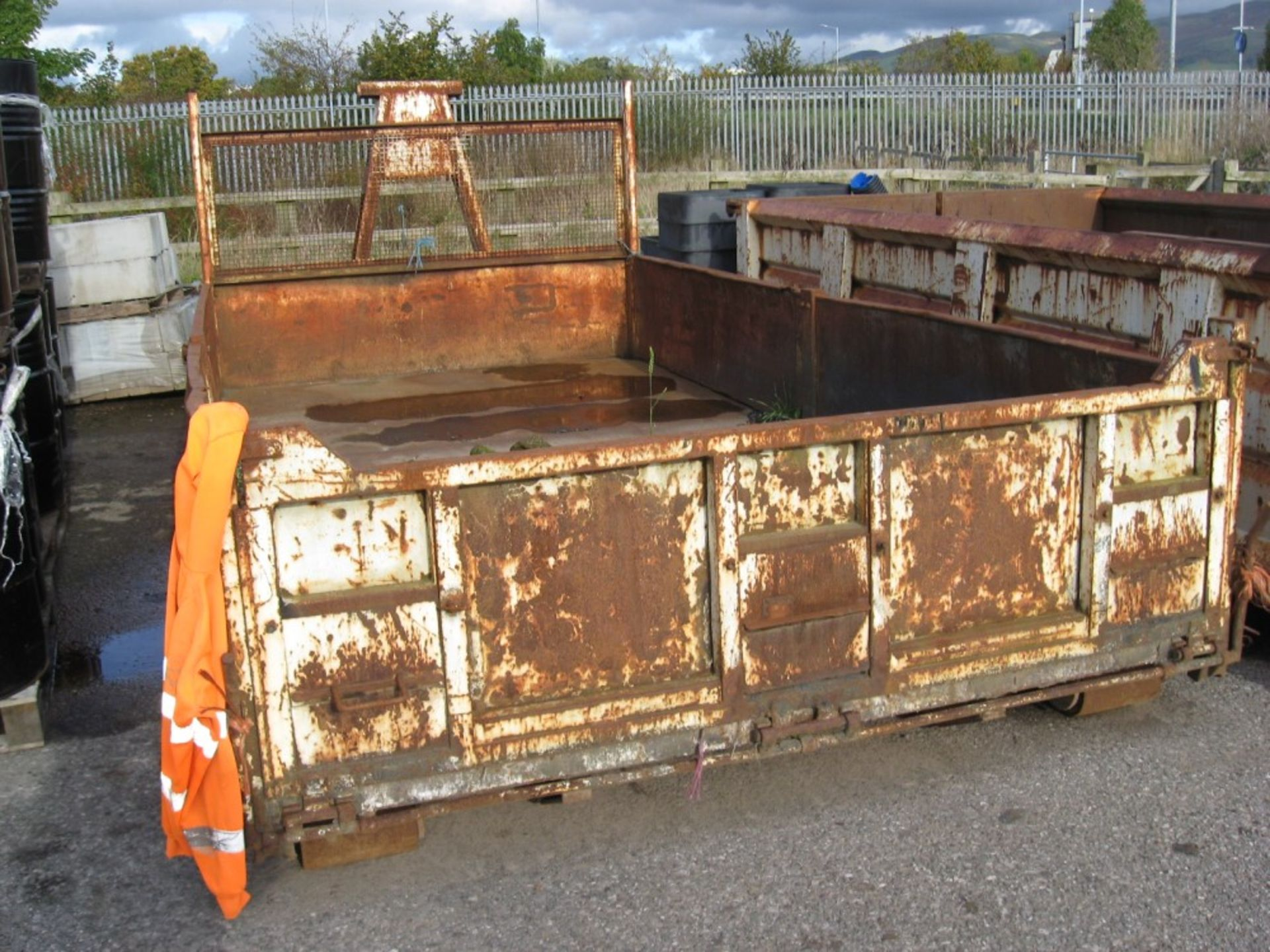 Los 1157 - HOOK LIFT BODY (DIRECT COUNCIL) TO BE SOLD ON SITE AT RUTHIN - RING FOR DETAILS [+ VAT]