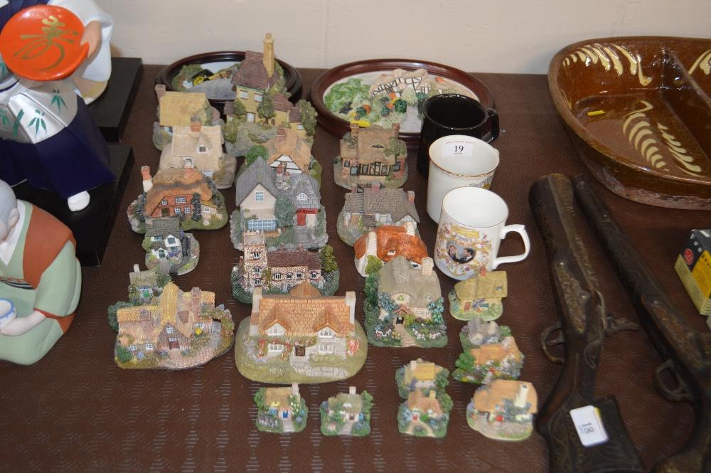 Lot 19 - Three commemorative mugs; a quantity of various mo