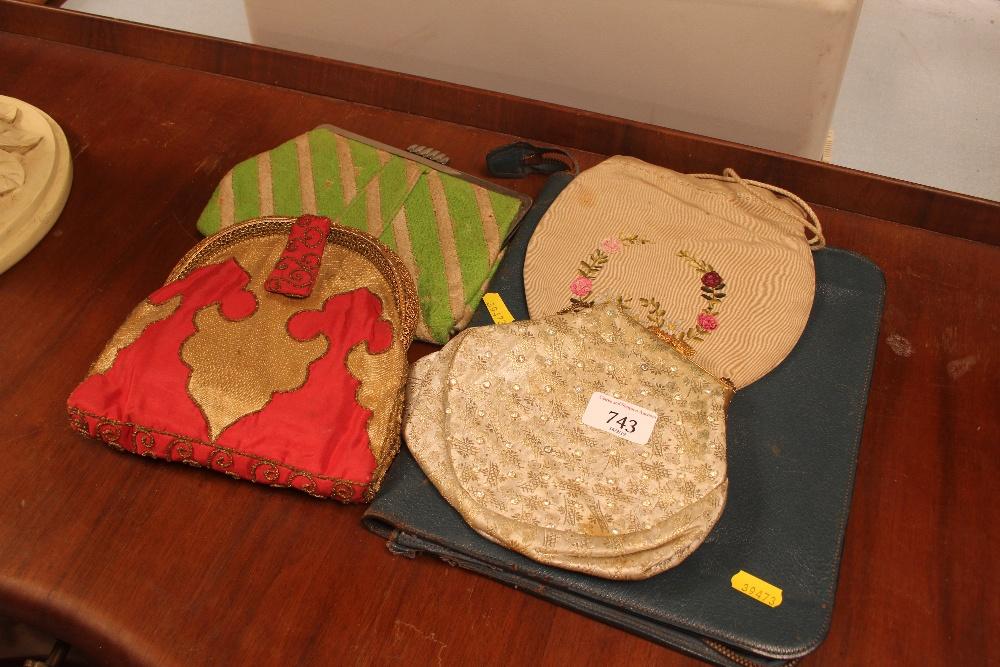 Lot 743 - A quantity of lady's bags