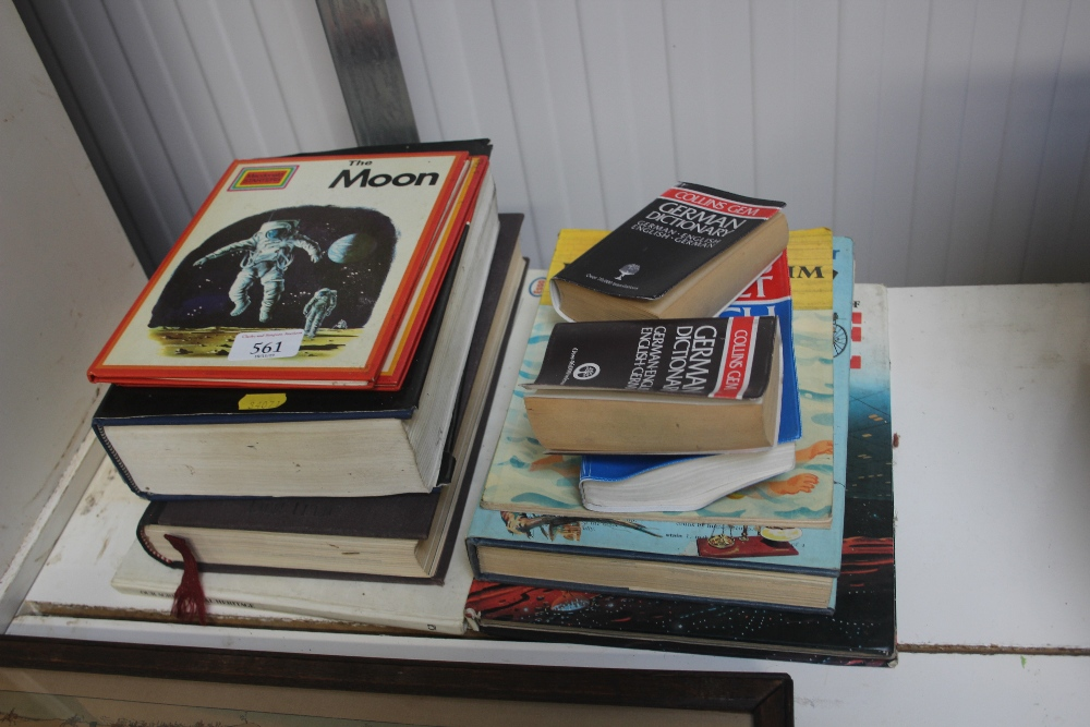 Lot 561 - A quantity of various books