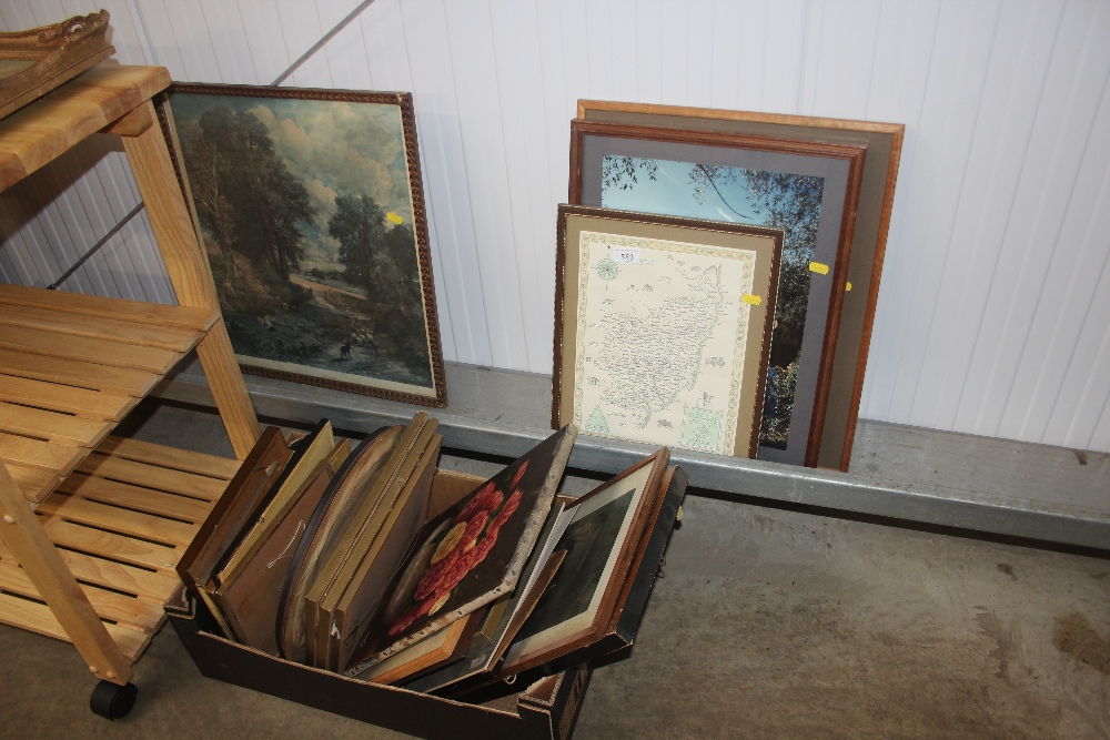 Lot 552 - A box and a quantity of various pictures