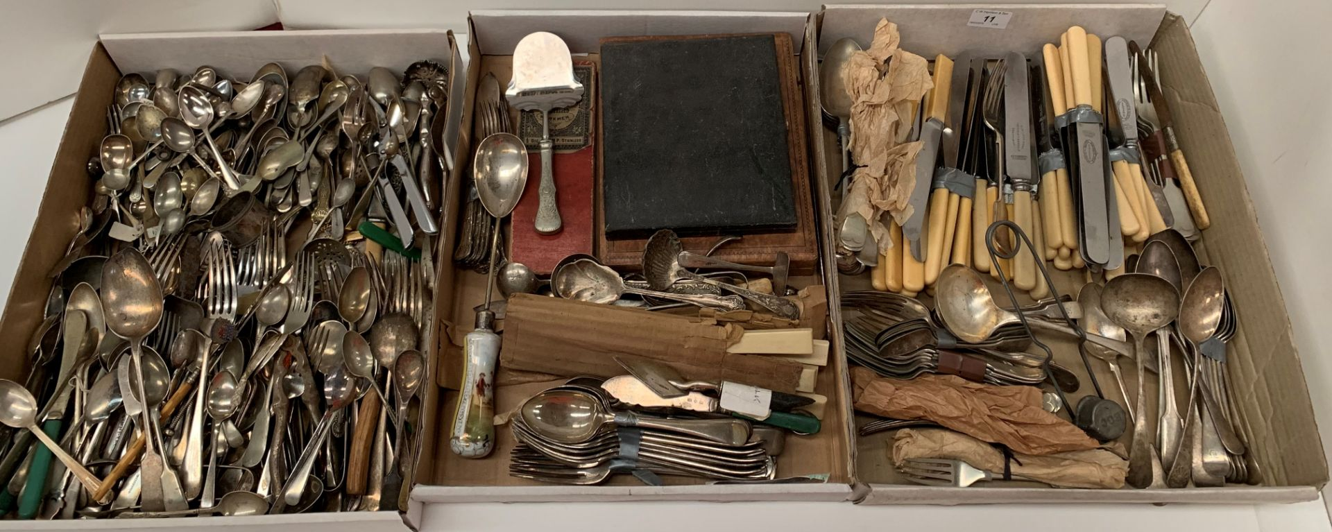 Lot 11 - Contents to three trays,