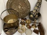 Lot 20 - Large brass wall plate, large plated tray, brass jam pan, copper cooking vessel, horse brasses, etc.