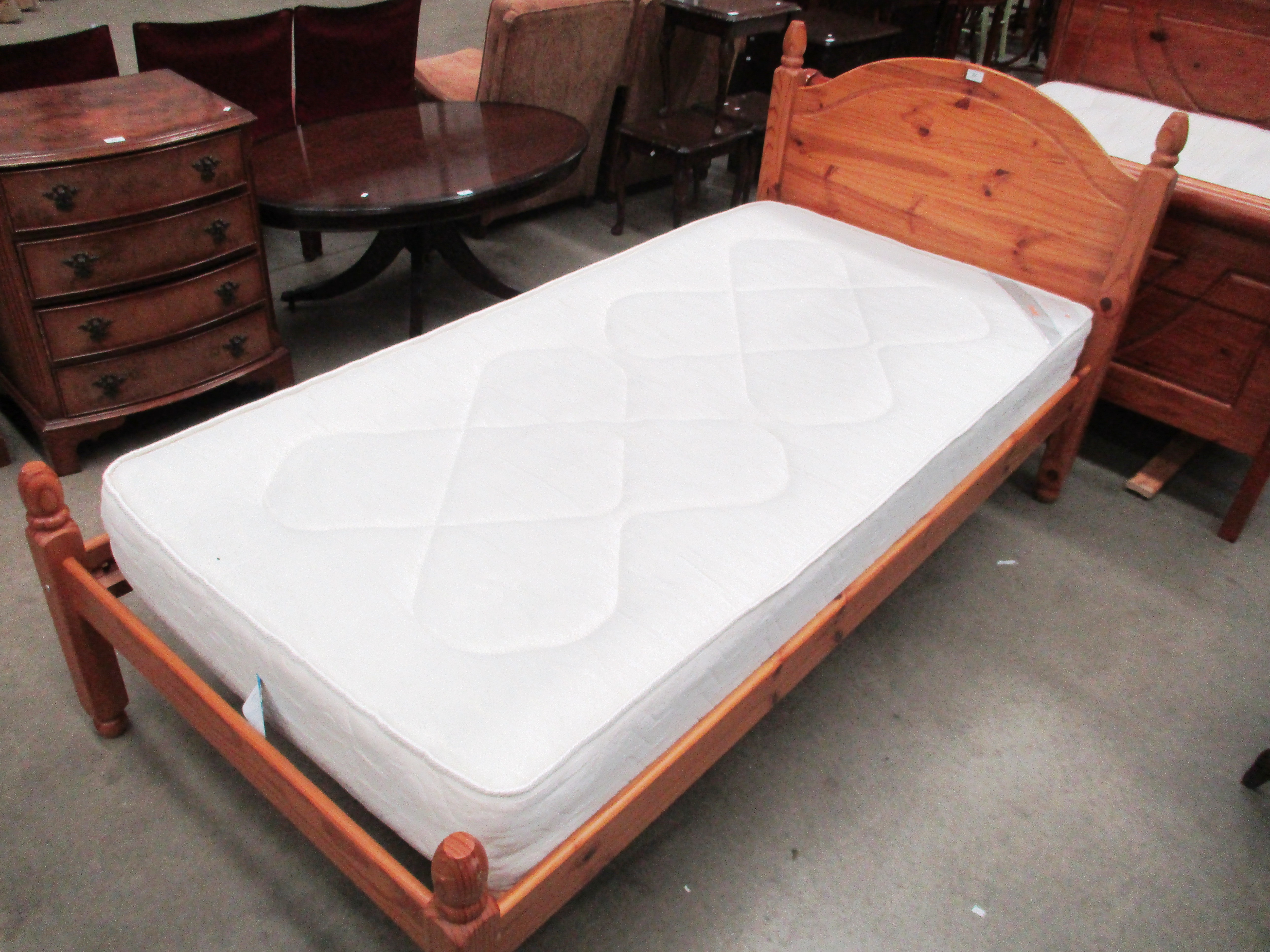 Lot 24 - A pine 3ft bed with a Sleep Mode Lincoln hypo-allergenic rotatable mattress