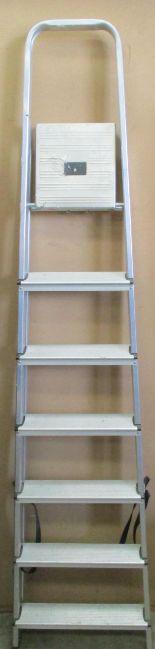 Lot 31 - A pair of Abru 6 step step ladders