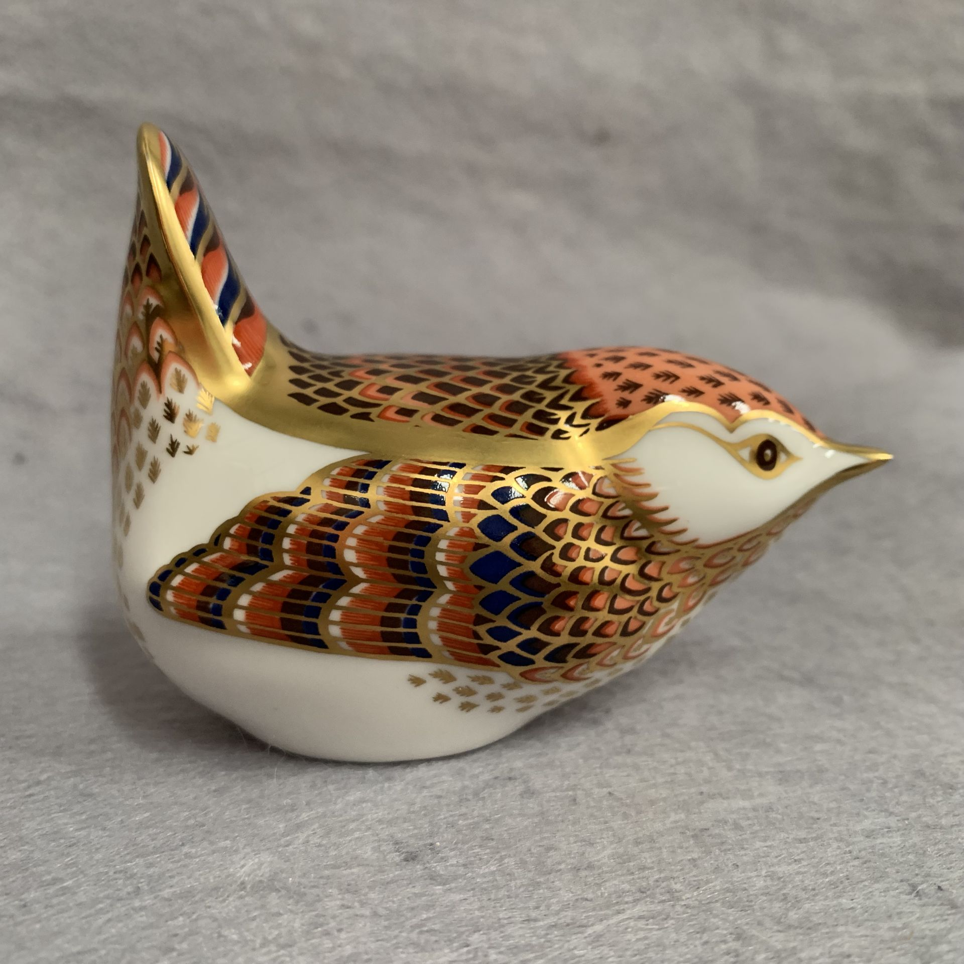 Lot 21 - Royal Crown Derby paperweight modelled as a wren,