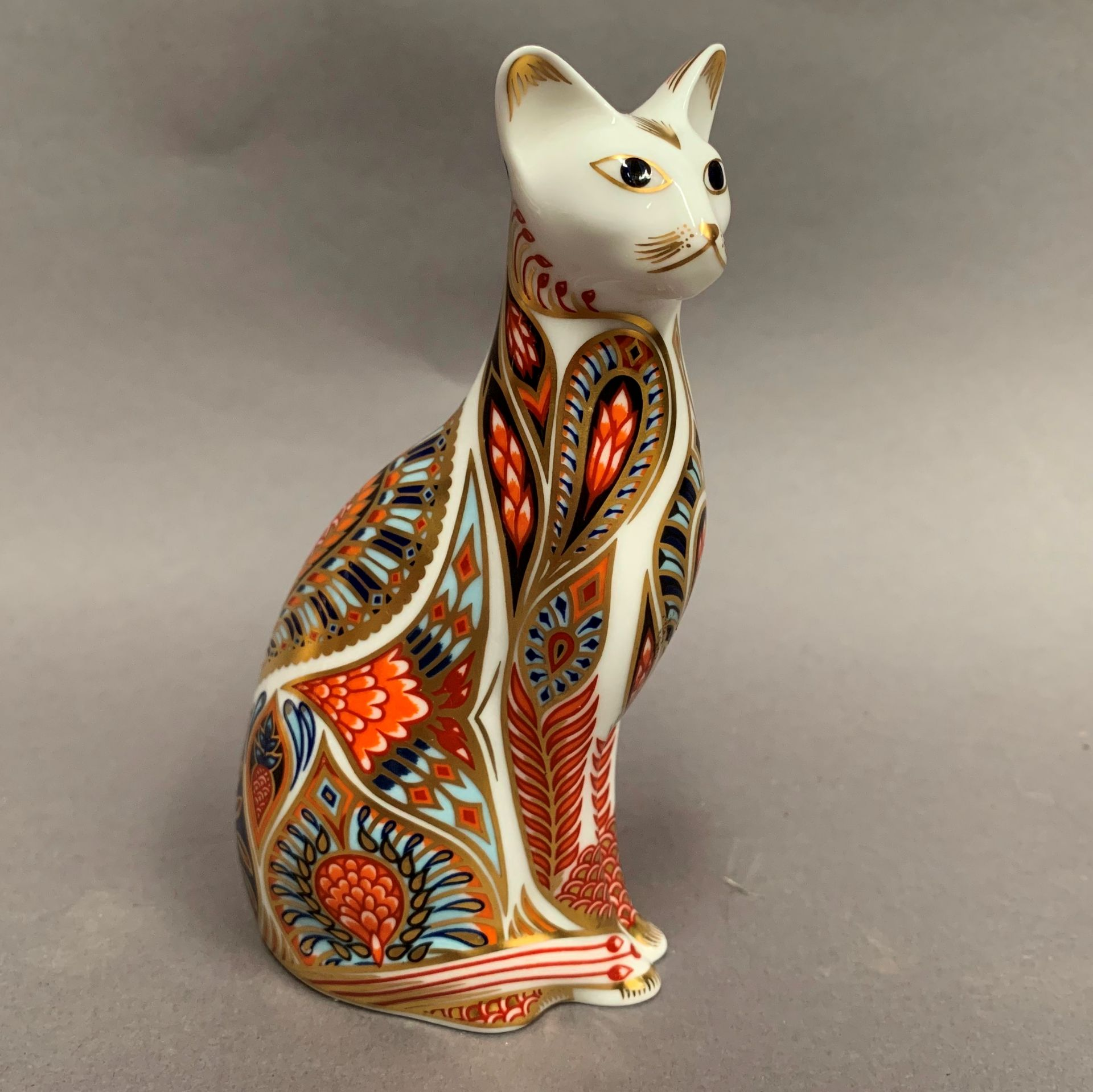 Lot 10 - Royal Crown Derby paperweight modelled as a cat, LX,