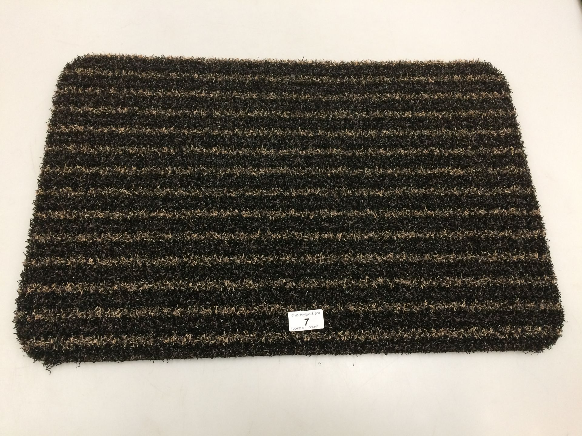 Lot 7 - 10 x black and gold striped door mats with rubber anti-slip inlay each 40 x 60cm