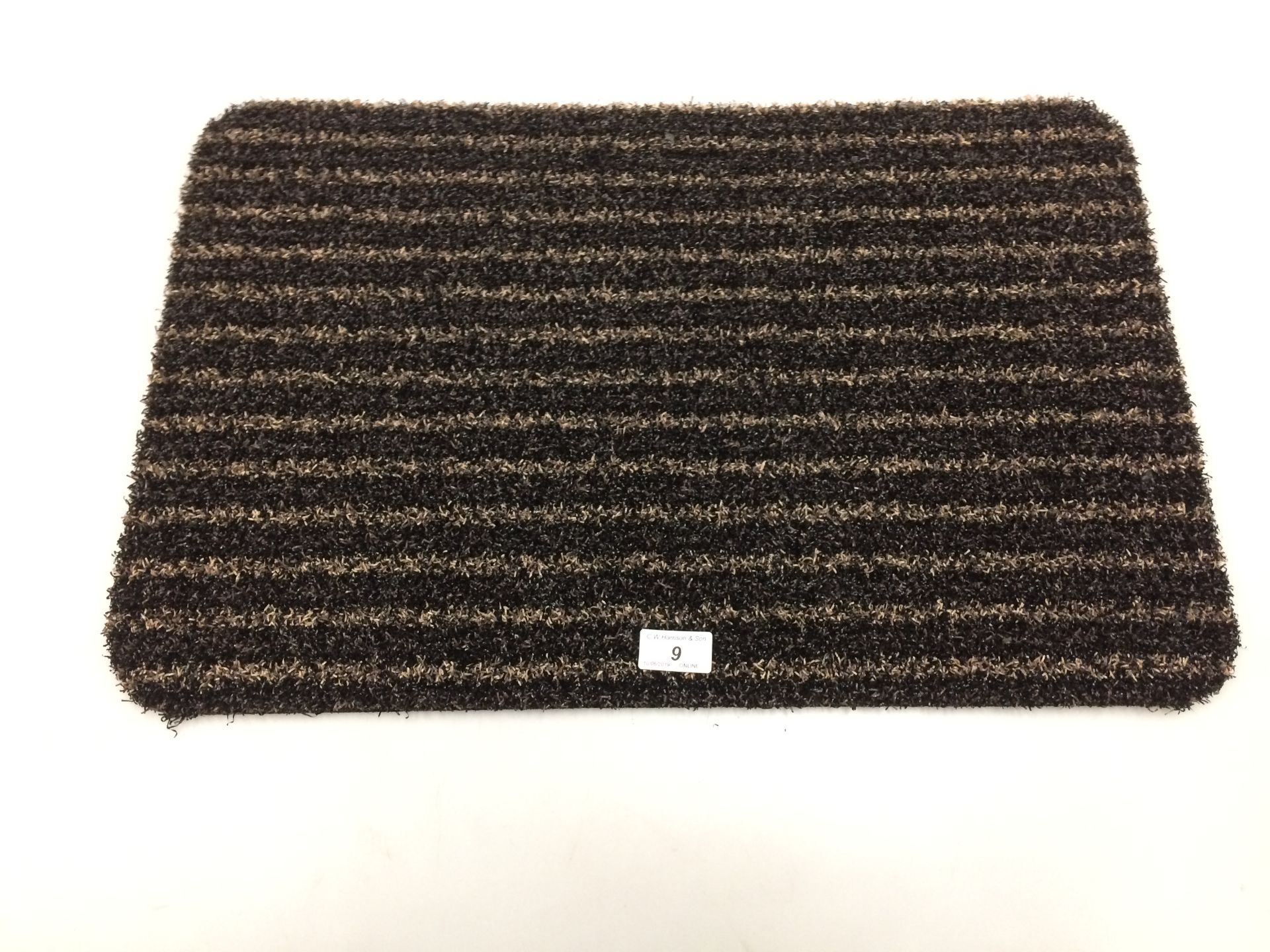 Lot 9 - 10 x black and gold striped door mats with rubber anti-slip inlay each 40 x 60cm