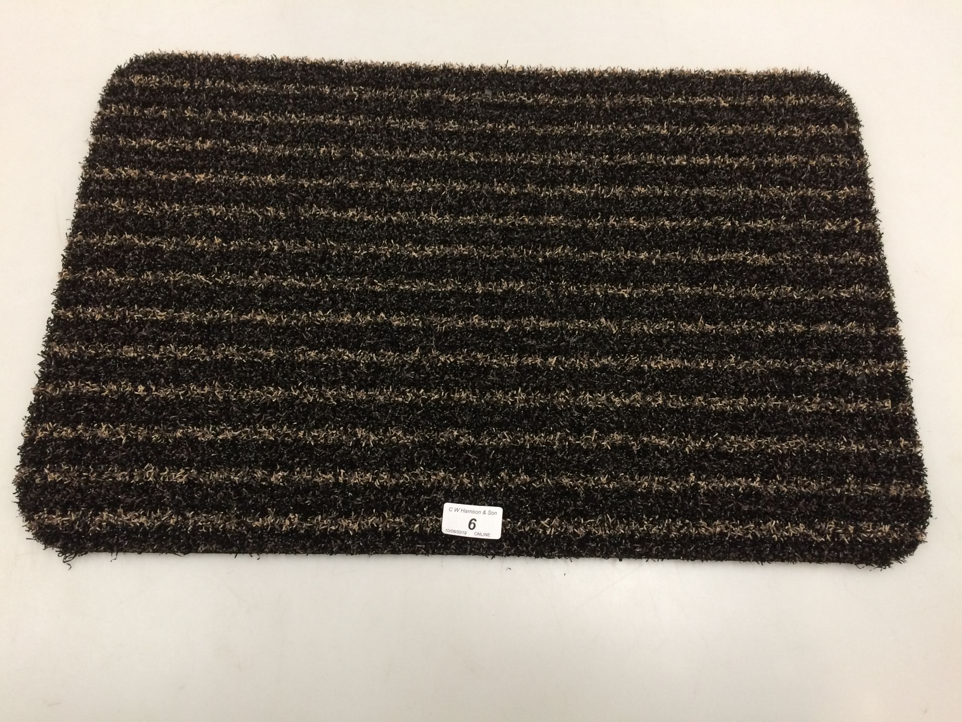 Lot 6 - 10 x black and gold striped door mats with rubber anti-slip inlay each 40 x 60cm
