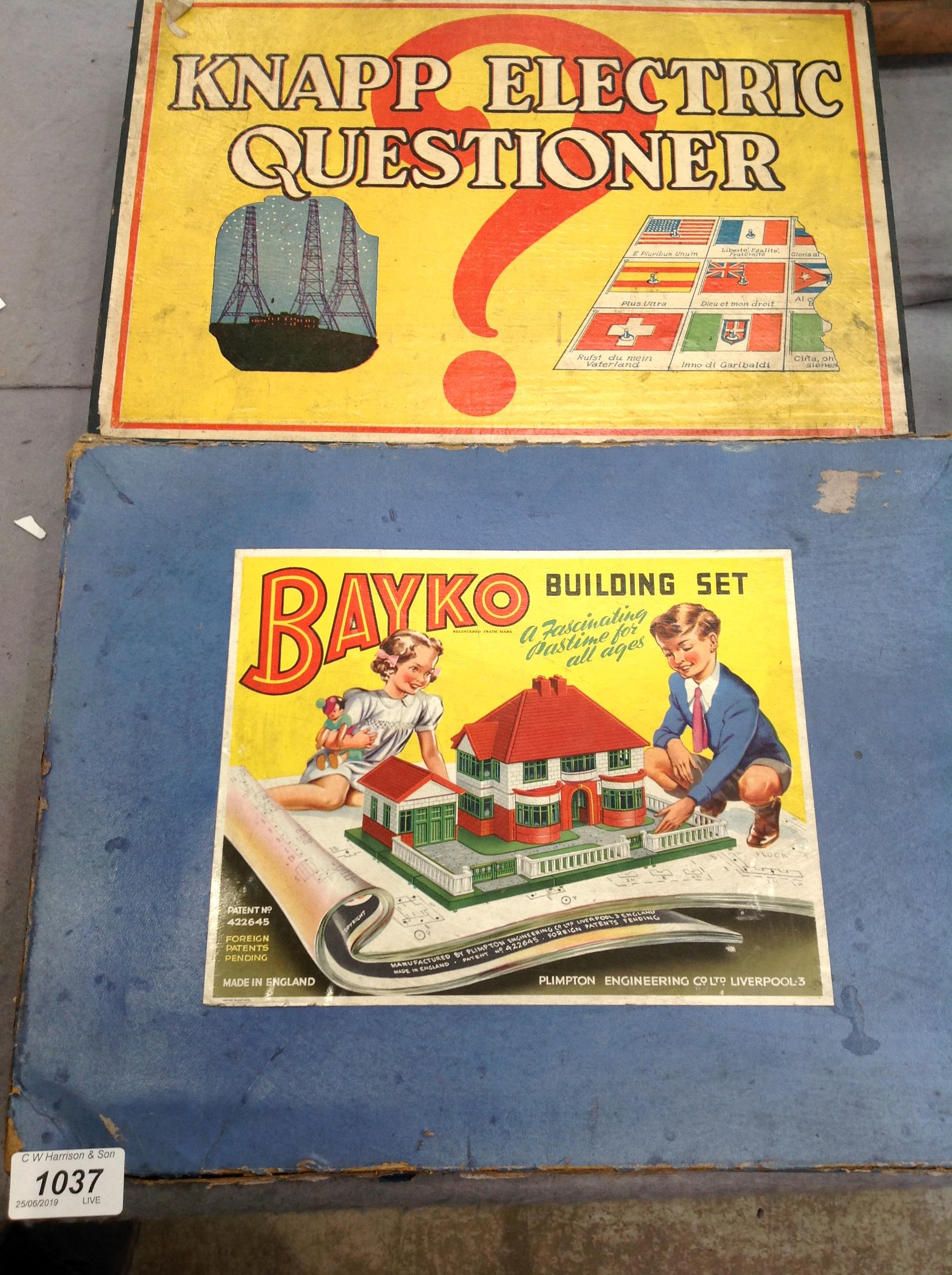 Lot 1037 - Two boxed items - Bayko building set and No.