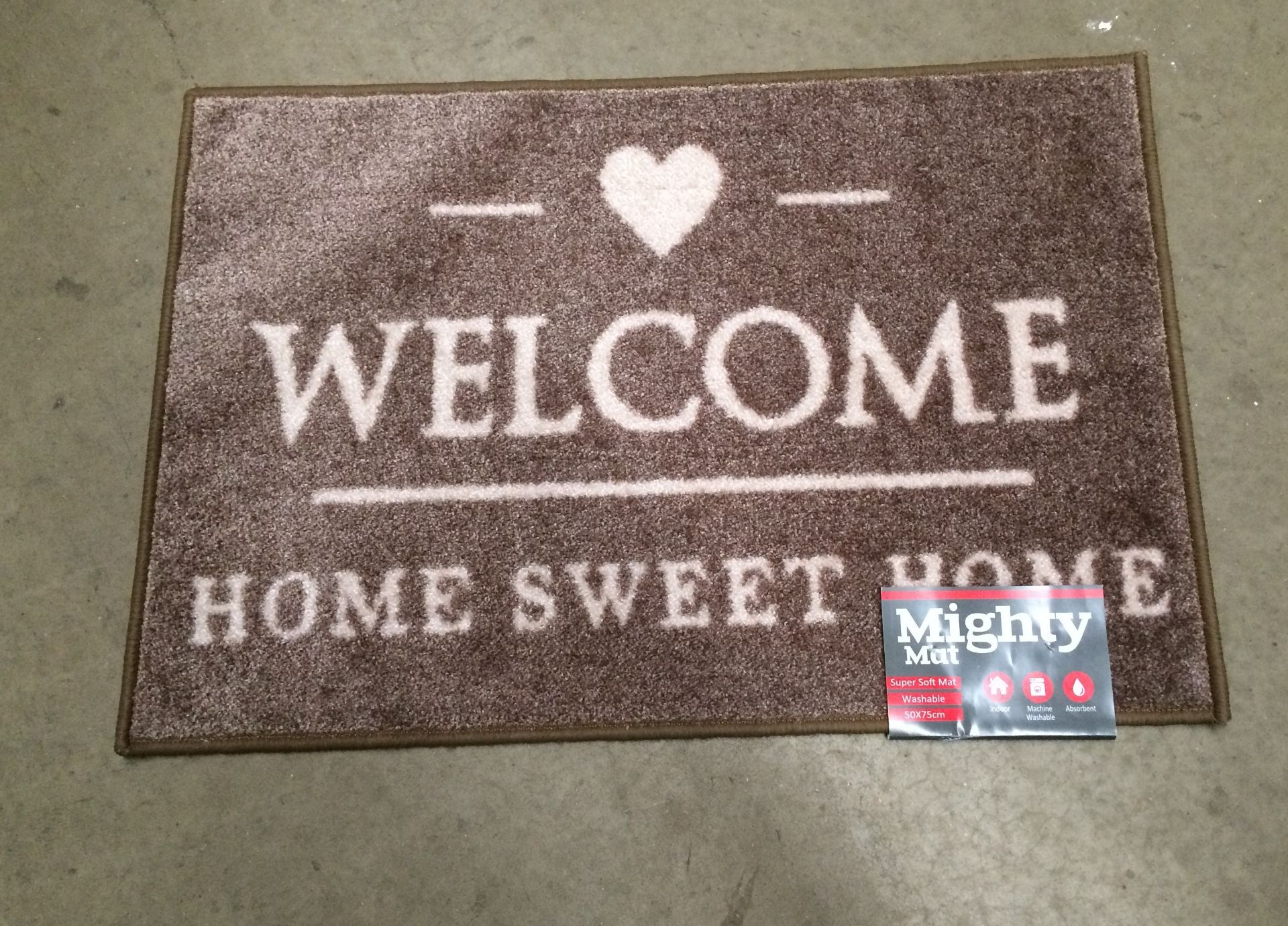 Lot 4 - 6 x Supersoft washable beige 'Welcome' door mats each 50 x 75cm