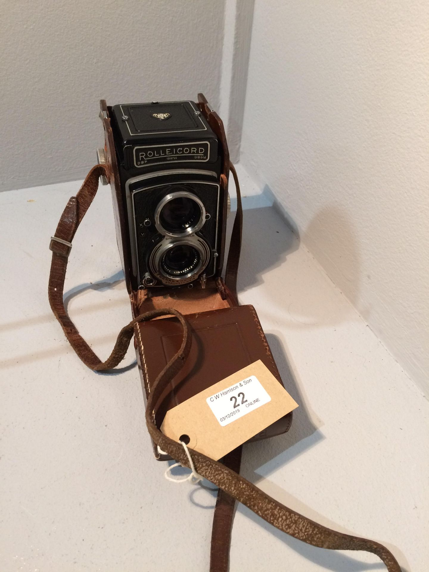 Lot 22 - Rolleicord Franke & Heindecke 1589720 camera with Schneider 1..
