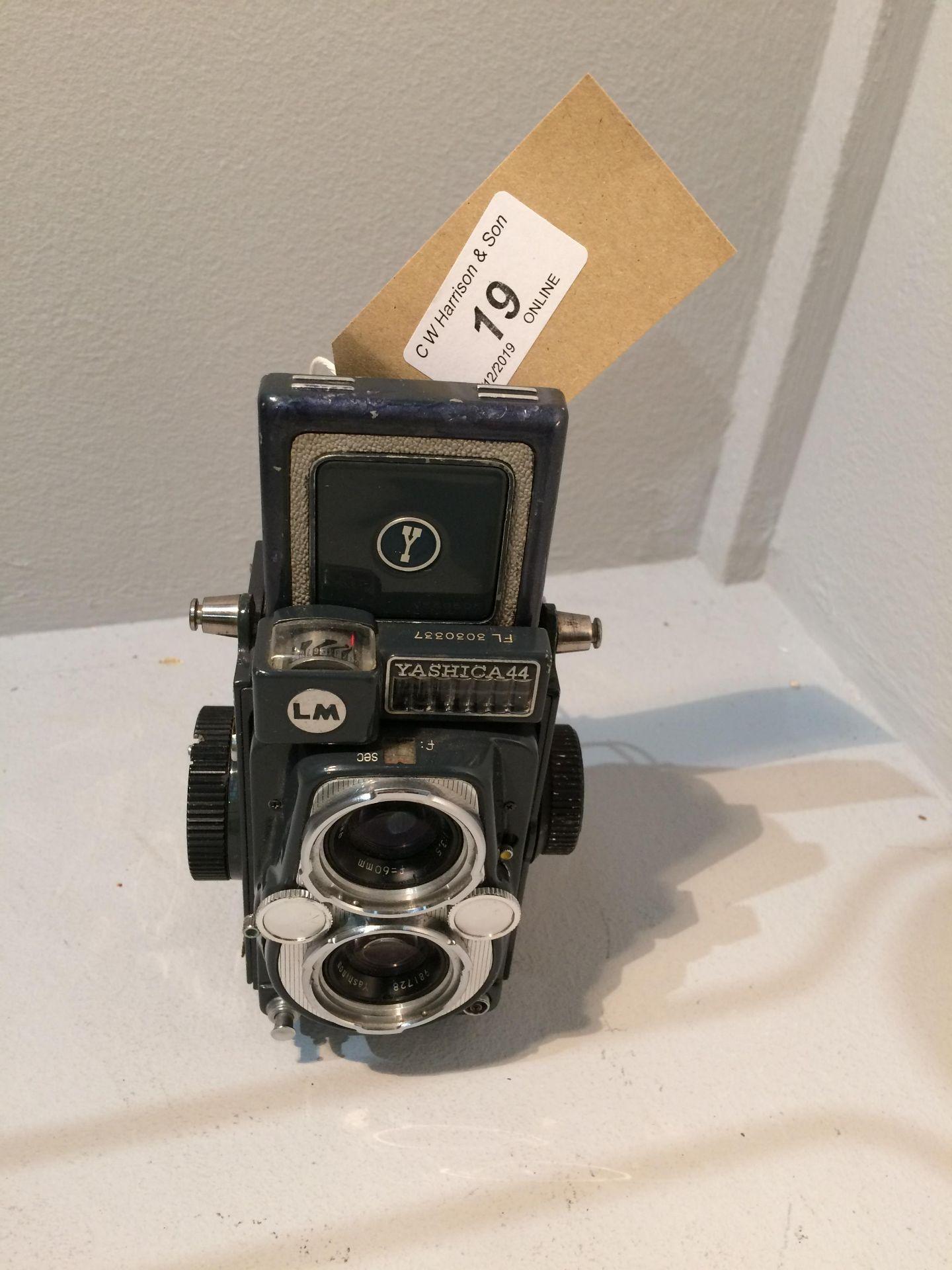 Lot 19 - Yashica - 44 Copal SV camera with Yashinon 1..3.