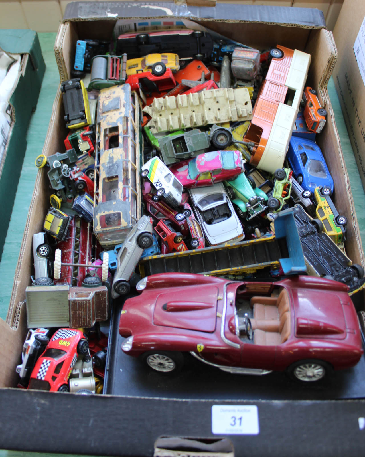 Lot 31 - Unboxed Dinky,