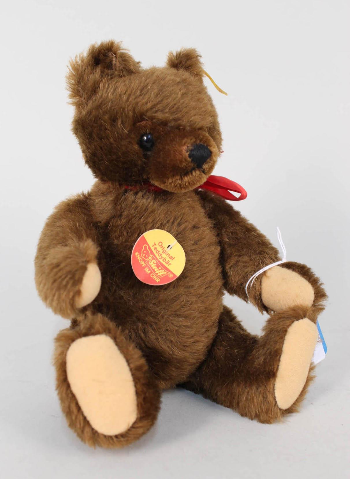 Lot 54 - A Steiff brown original teddy bear
