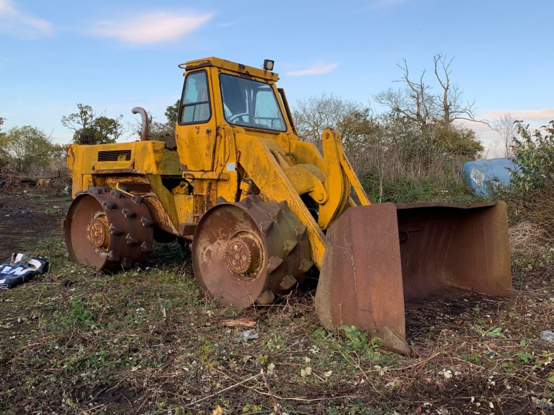 Lot 78 - JCB 428 compactor - steel wheels with spikes - currently non-runner.