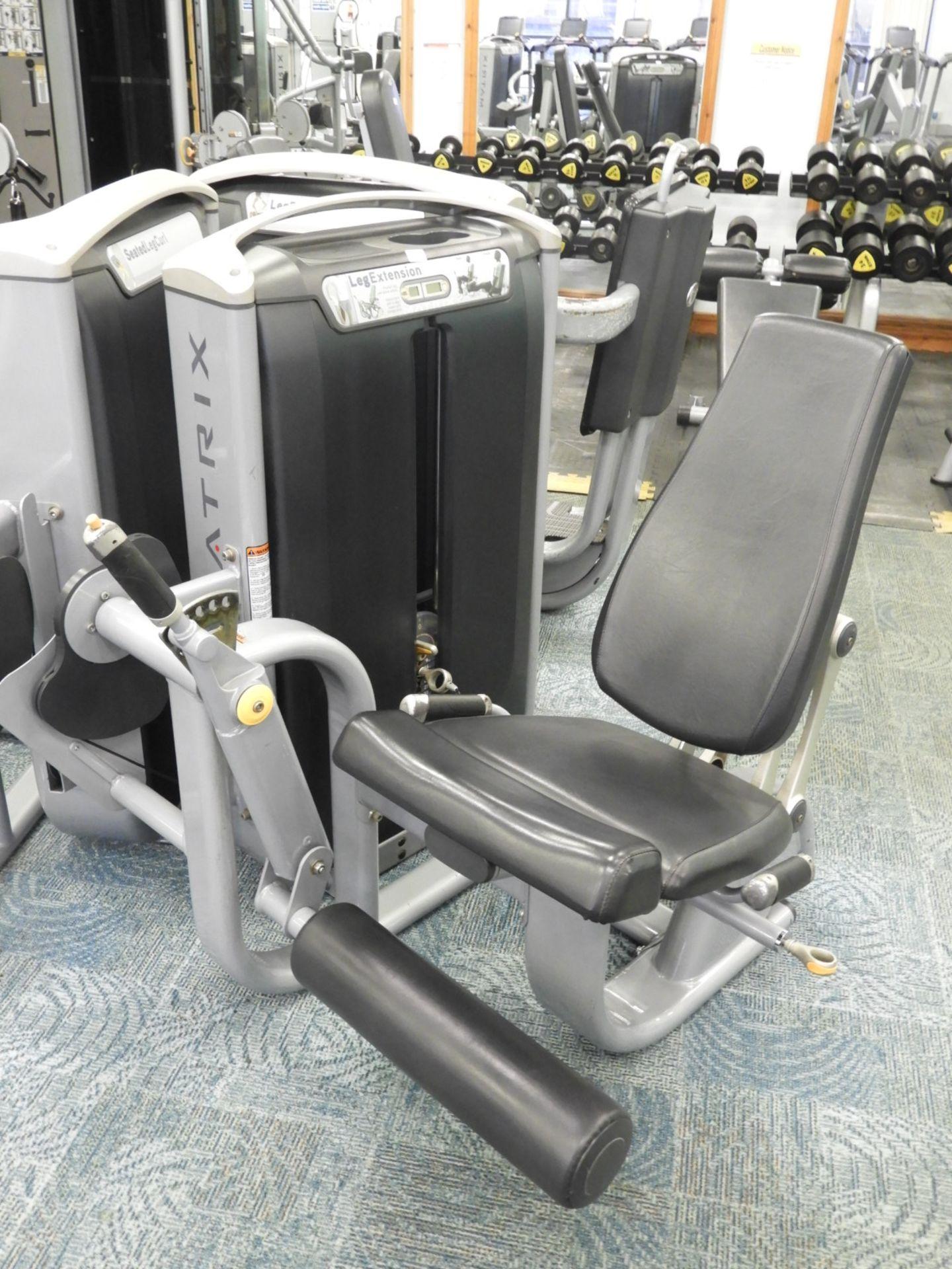Lot 37 - *Matrix Leg Extension Strength Machine