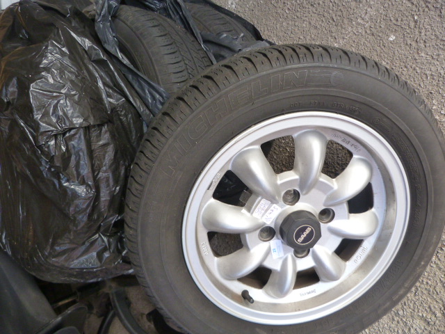 Lot 29 - Set of Four Saab 900 185/65R15 Tyres on Wheels