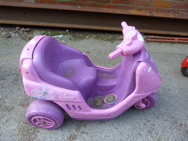Lot 26 - Disney Princess Three Wheeled Car
