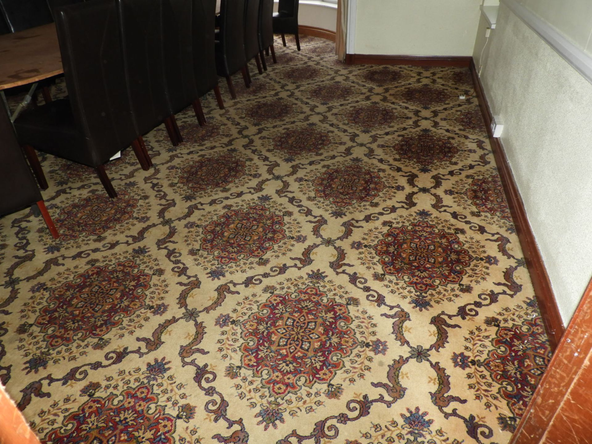 Lot 5 - *Traditional Patterned Carpet (Approx 6m x 5.5m pl