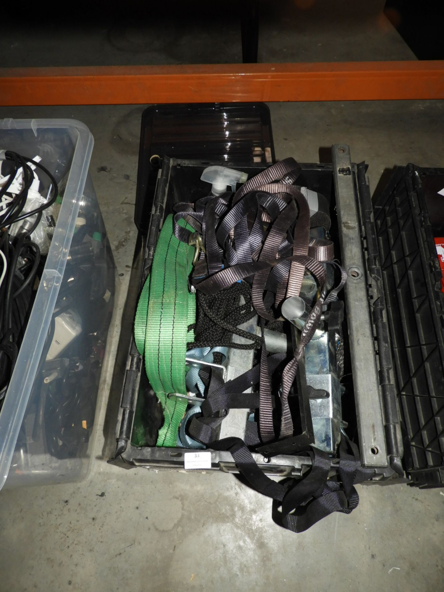 Lot 33 - *Box Containing Assorted Ratchet Straps, Lifting S