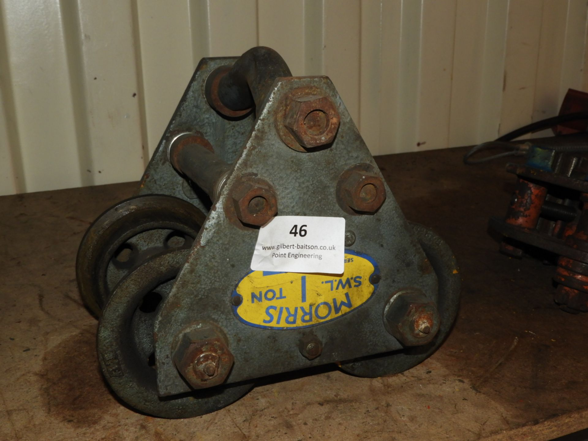 Lot 46 - *Morris 1 Tonne Girder Trolley