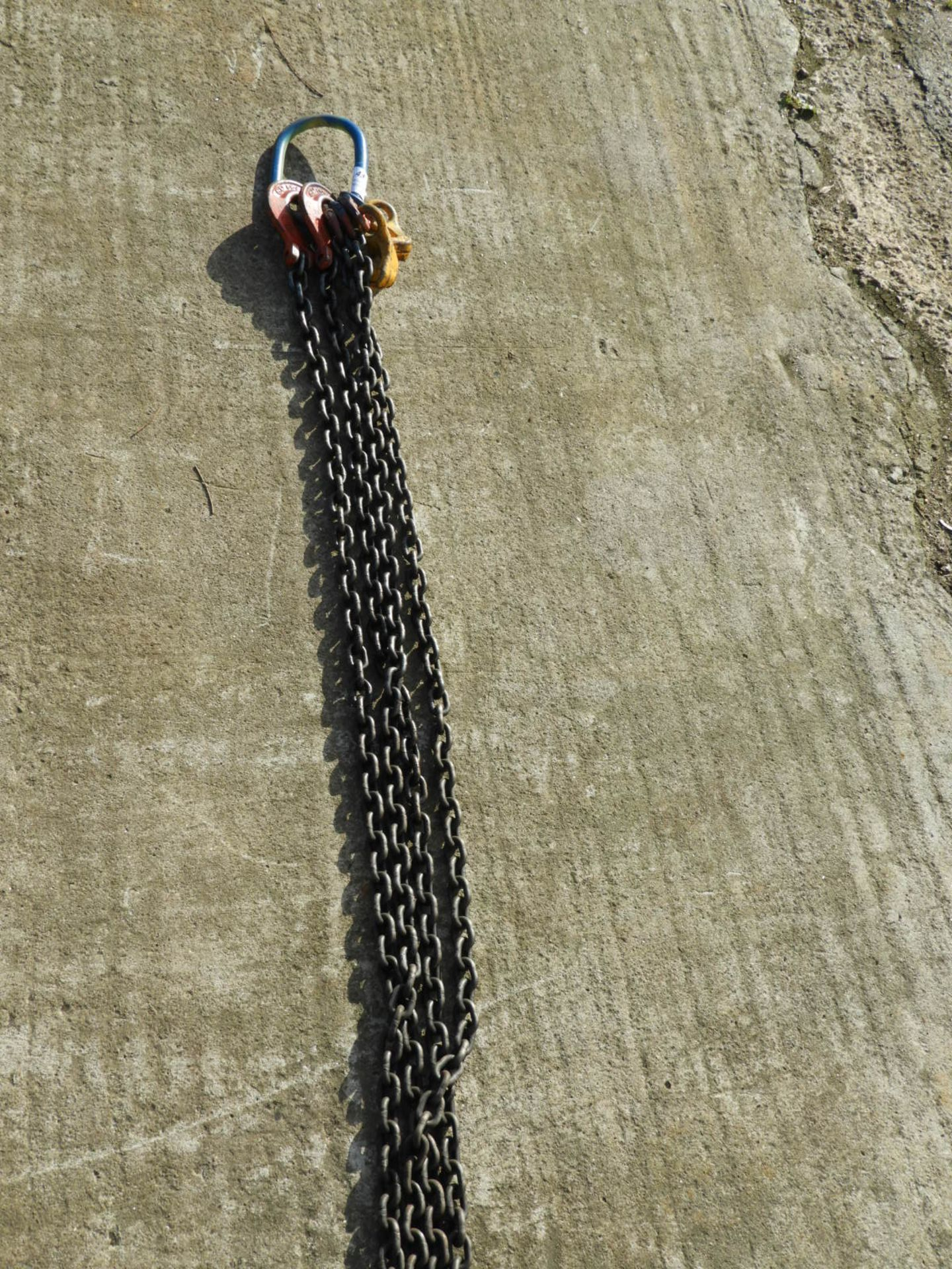 Lot 43 - *Set of Two Leg Lifting Chains