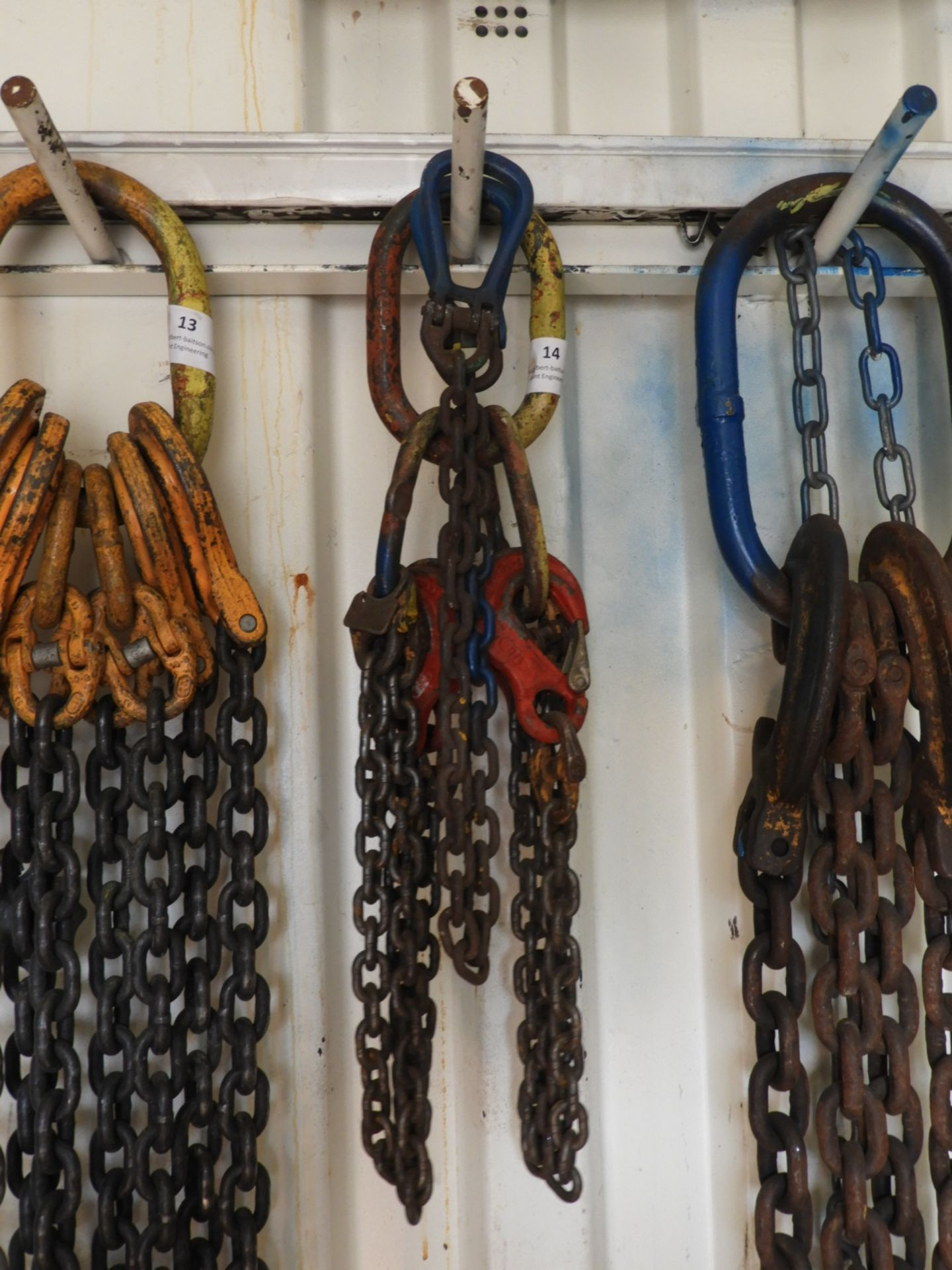 Lot 14 - *Set of Four Leg Chains