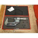 Lot 397 - *SPI Digital Micrometer
