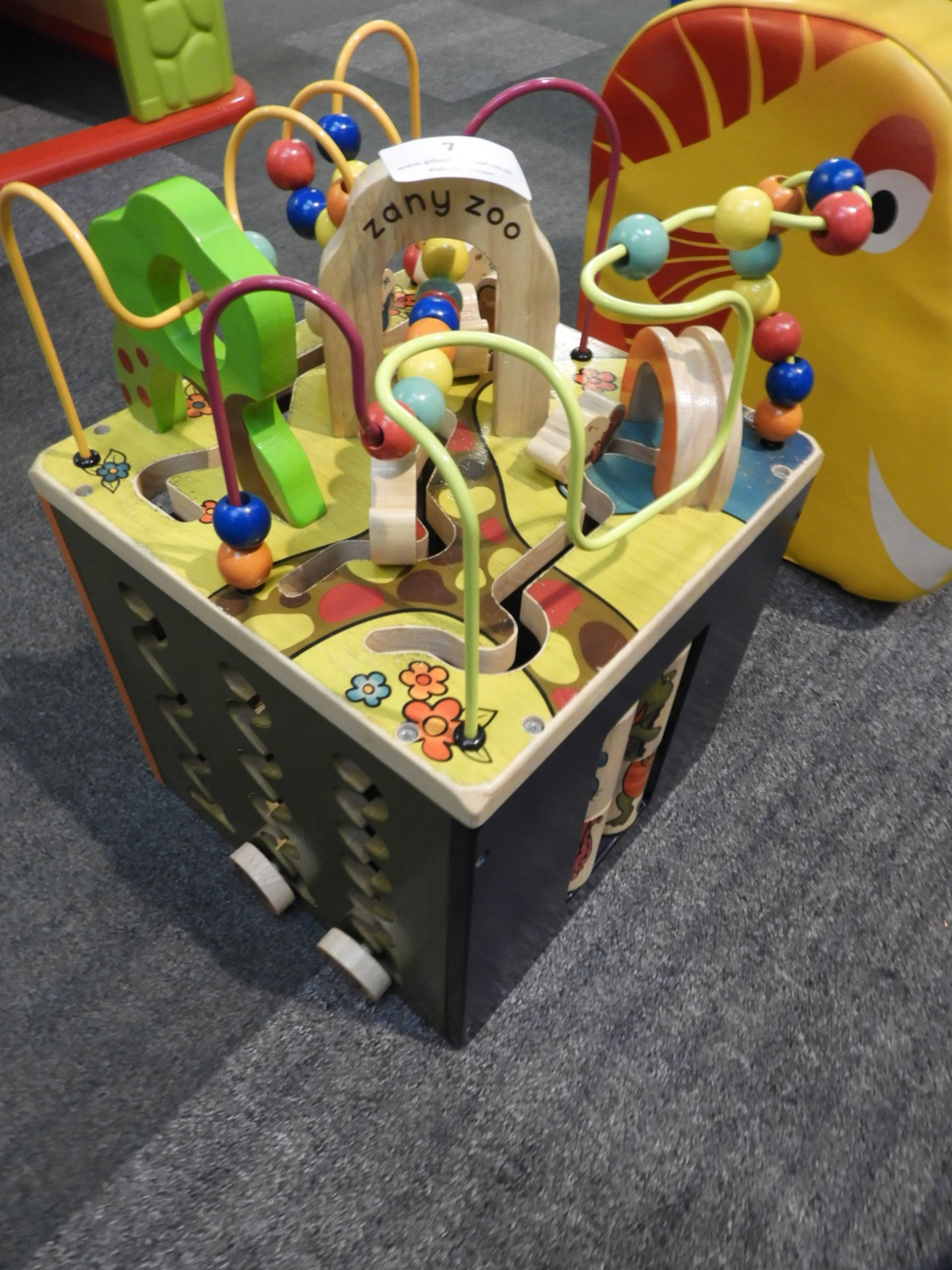 Lot 7 - *Children's Activity Toy