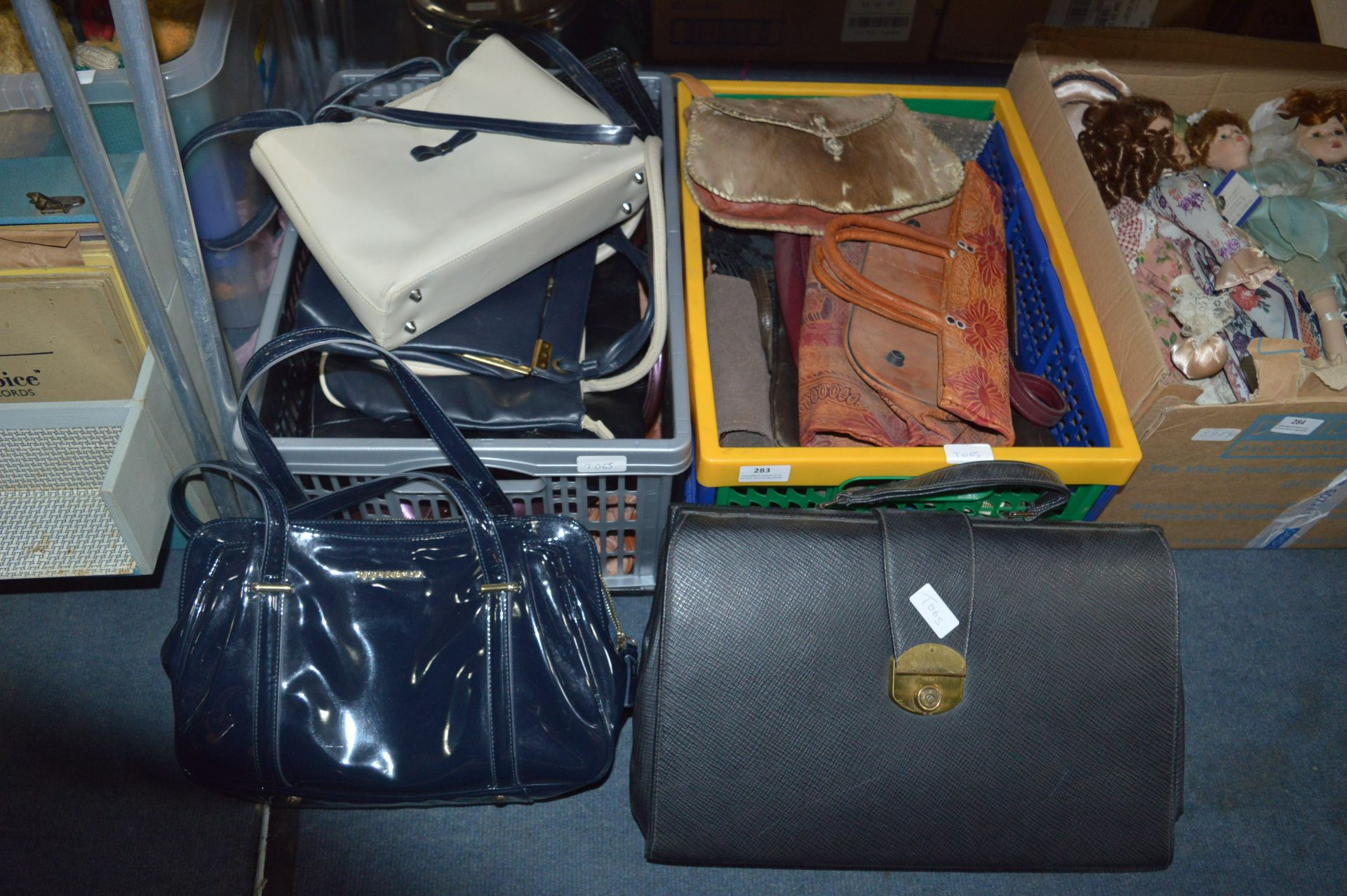 Lot 283 - Large Quantity of Ladies Hand Bags