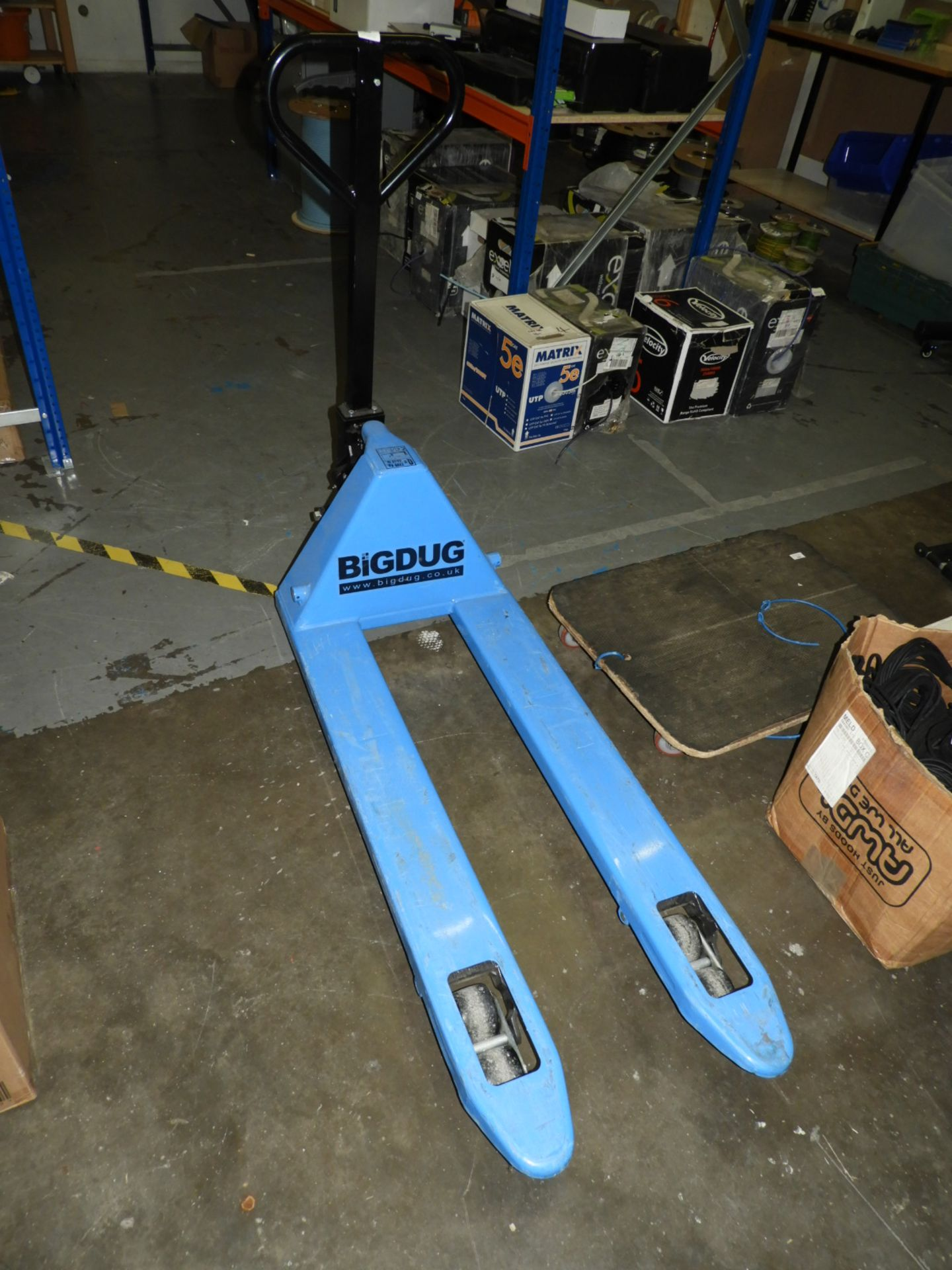 Lot 406 - *Bigdug 550x1100 Twin Wheel 2 Tonne Pallet Truck