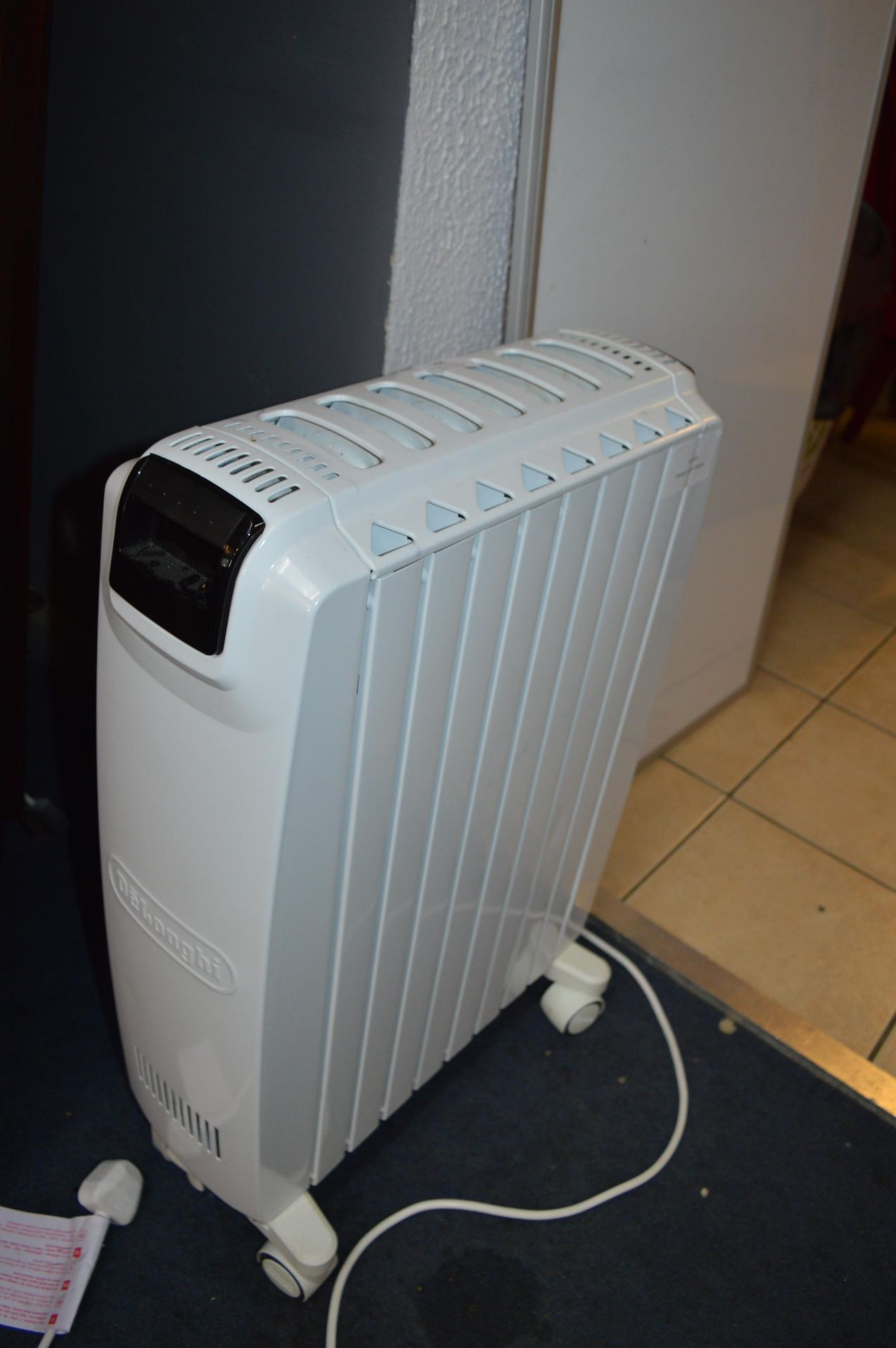 Lot 705 - *Delonghi Dragon 4 Radiator