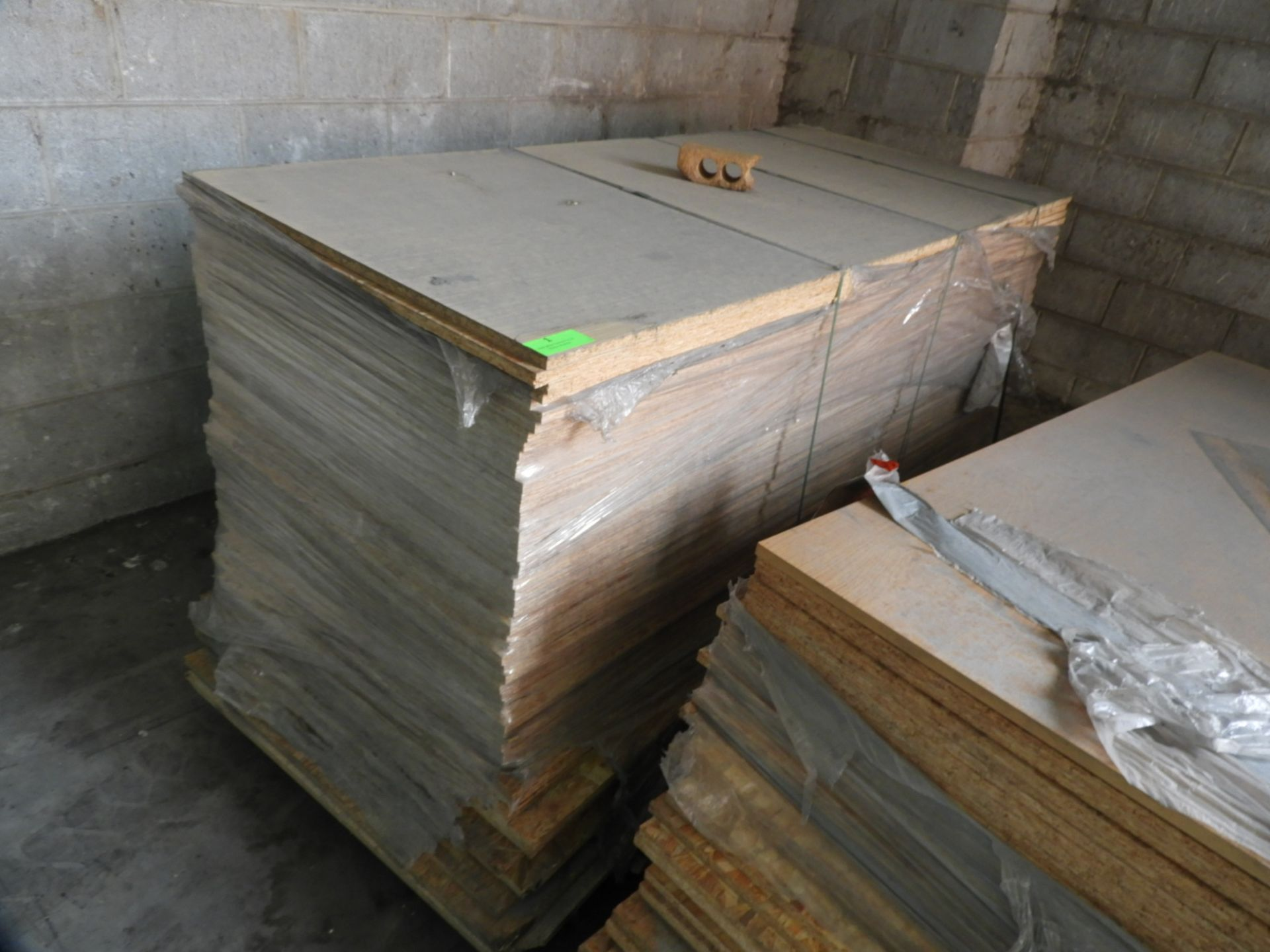 Lot 1 - *Pallet Containing 53 Sheets of 2135x935x17mm OSB Boards