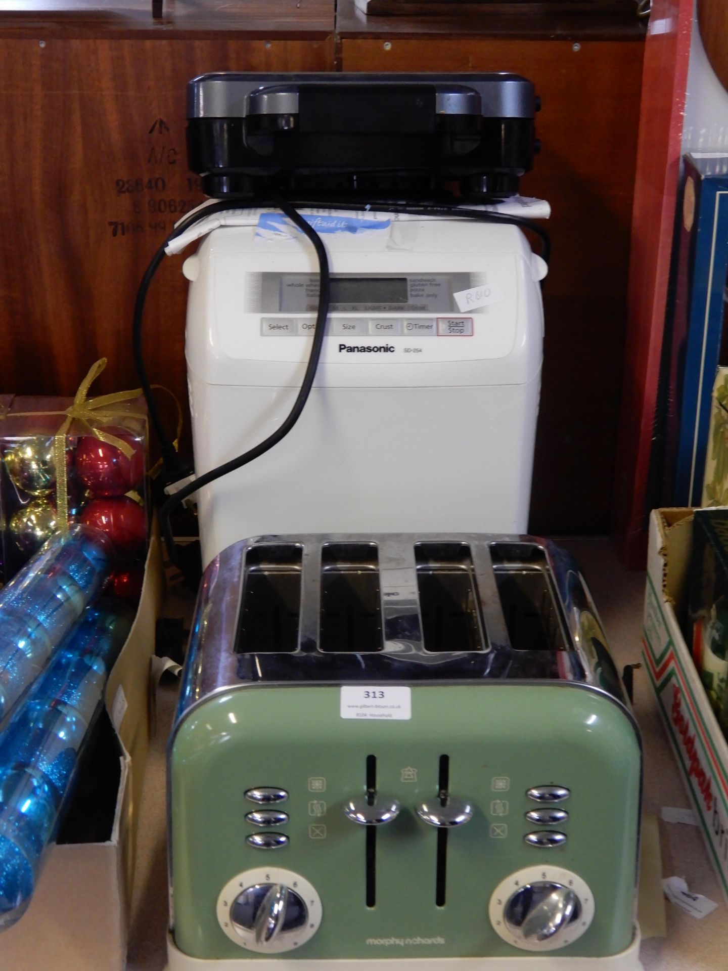 Lot 313 - Morphy Richards Toaster, Panasonic Bread Maker, an