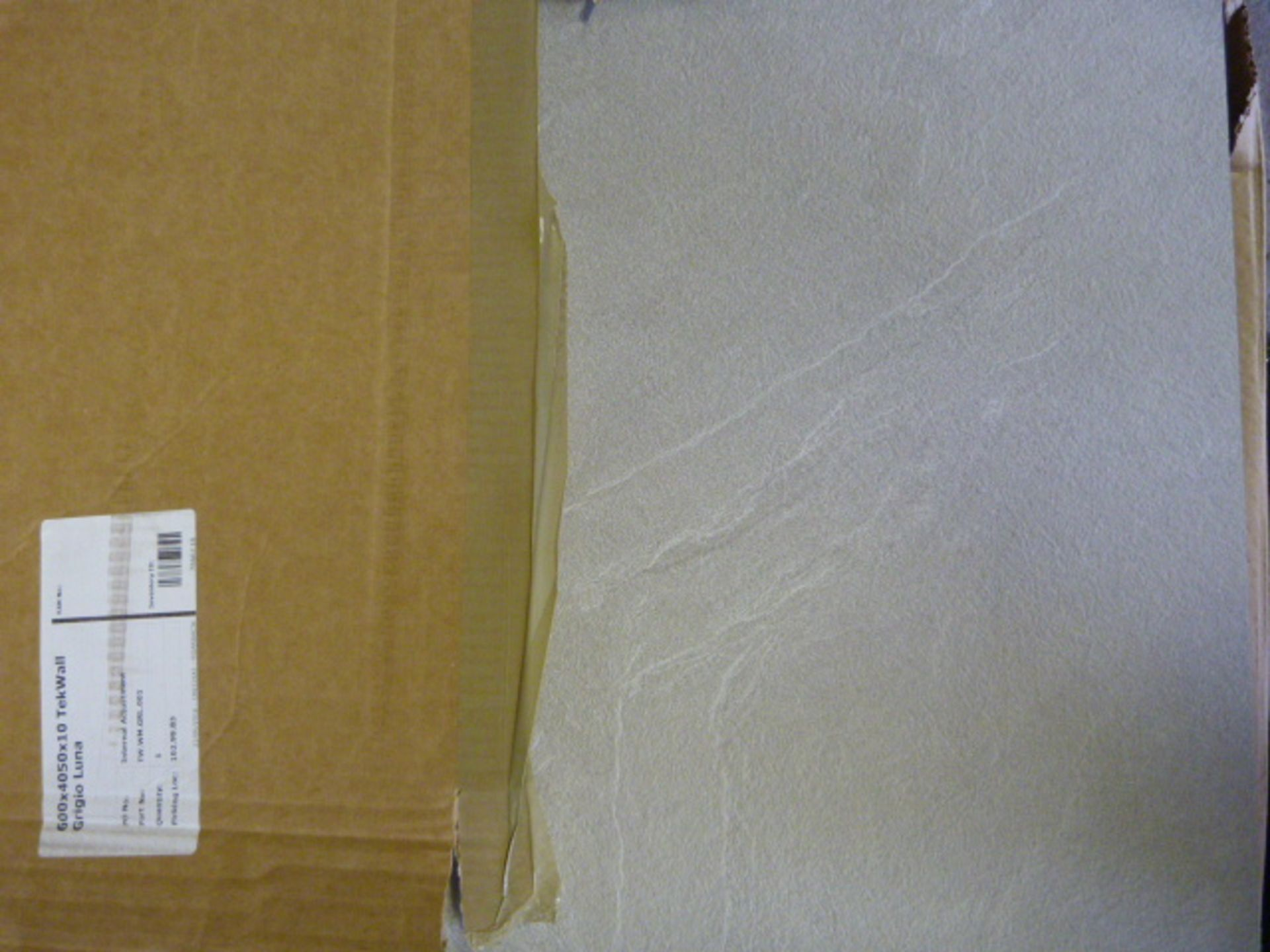 Lot 316 - *600x4050x10mm Grigio Luna Tek Wall