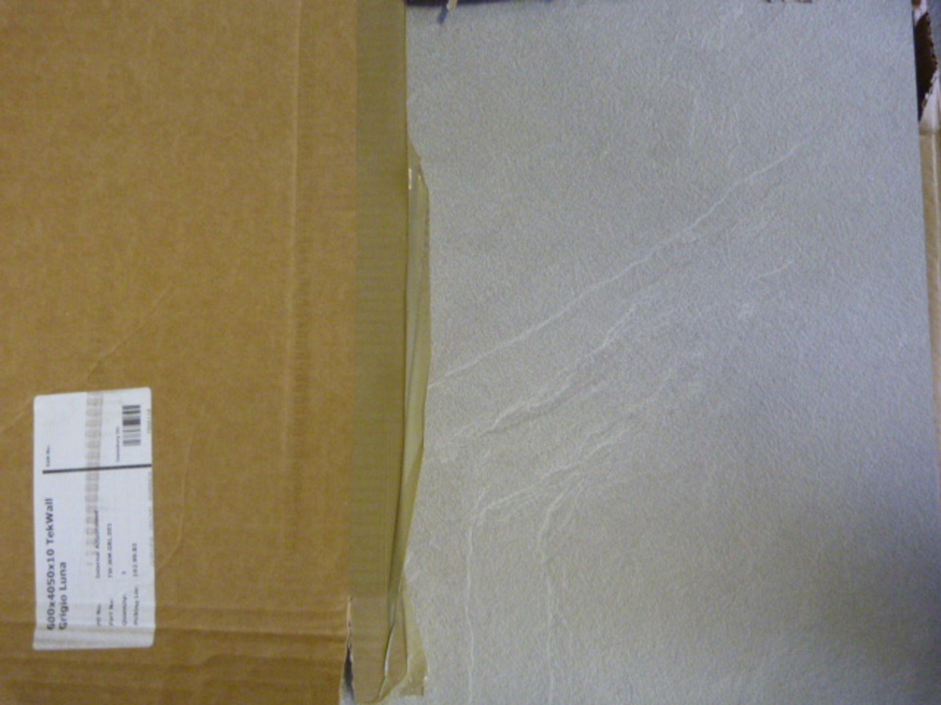 Lot 312 - *600x4050x10mm Grigio Luna Tek Wall
