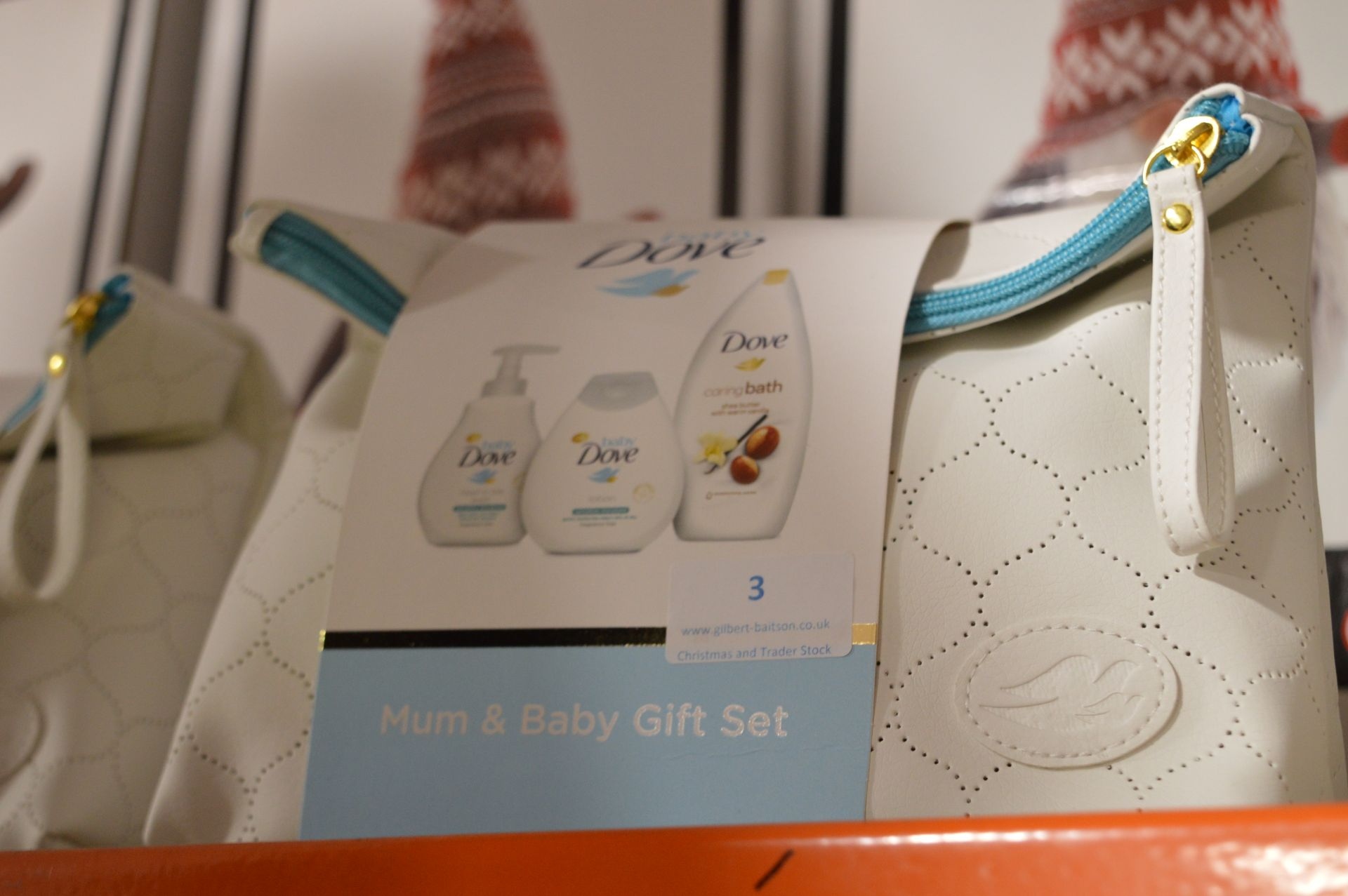 Lot 3 - *Dove Mom & Baby Gift Set
