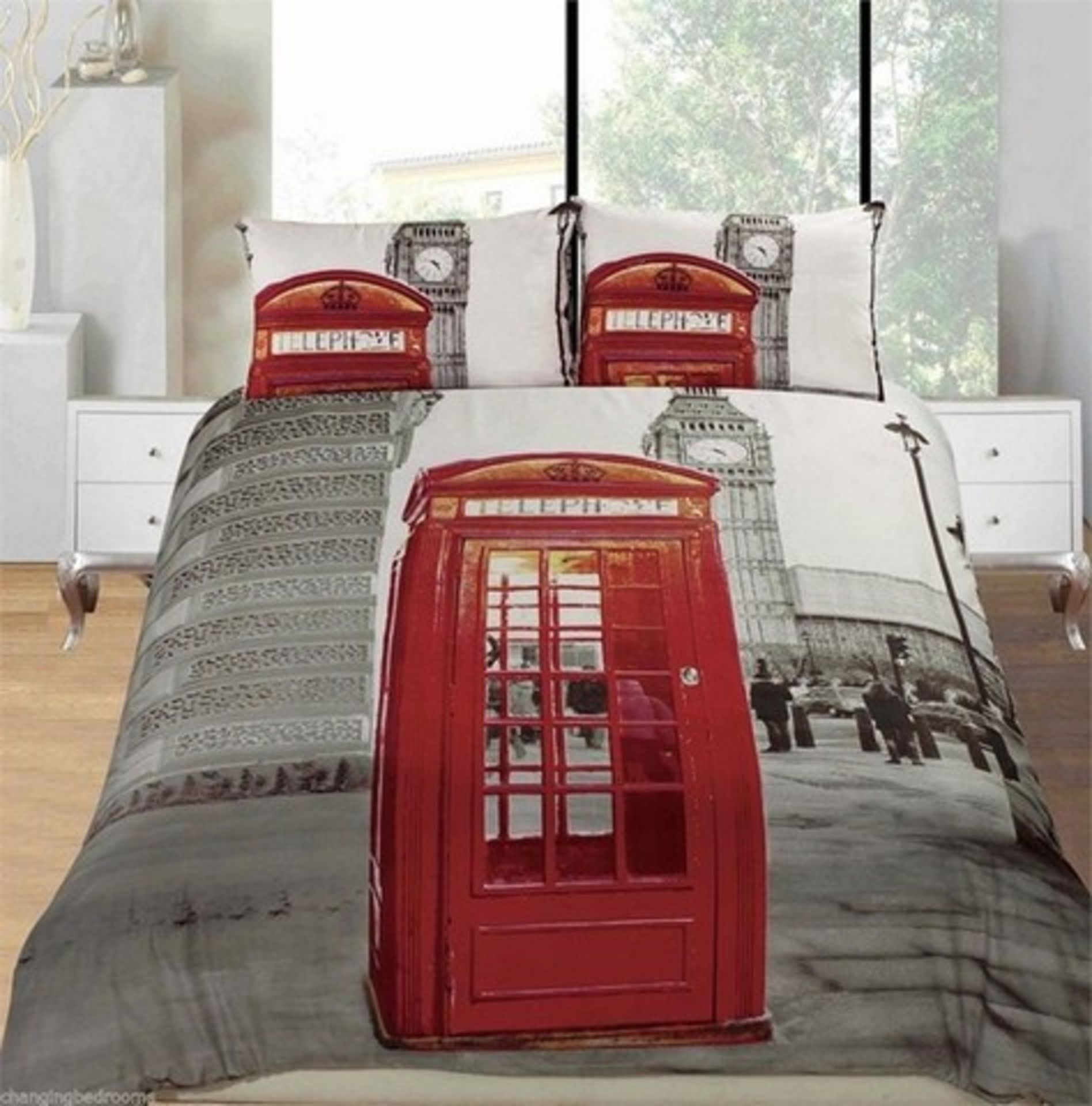 Lot 50270 - V Brand New Three Piece 3D Printed Duvet Set-Red Phone Box In Front Of Big Ben