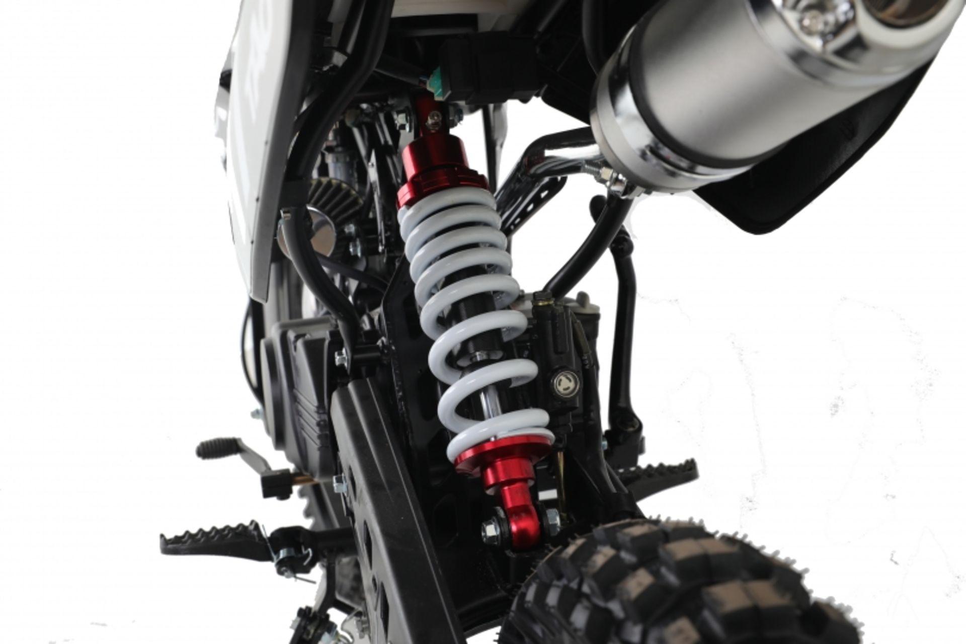 Lot 23525 - V Brand New 125cc USA Motocross Dirt Bike - Kick Start - Air Cooled - 4 Stroke - Full Suspension -