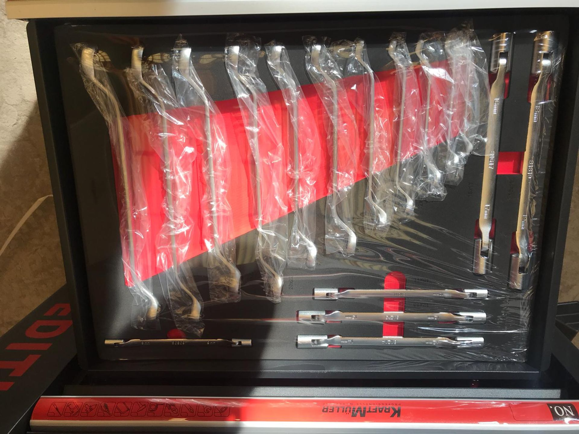 Lot 31692 - V Brand New Seven Drawer Locking Garage Tool Cabinet With Lockable Casters-Seven EVA Drawers of