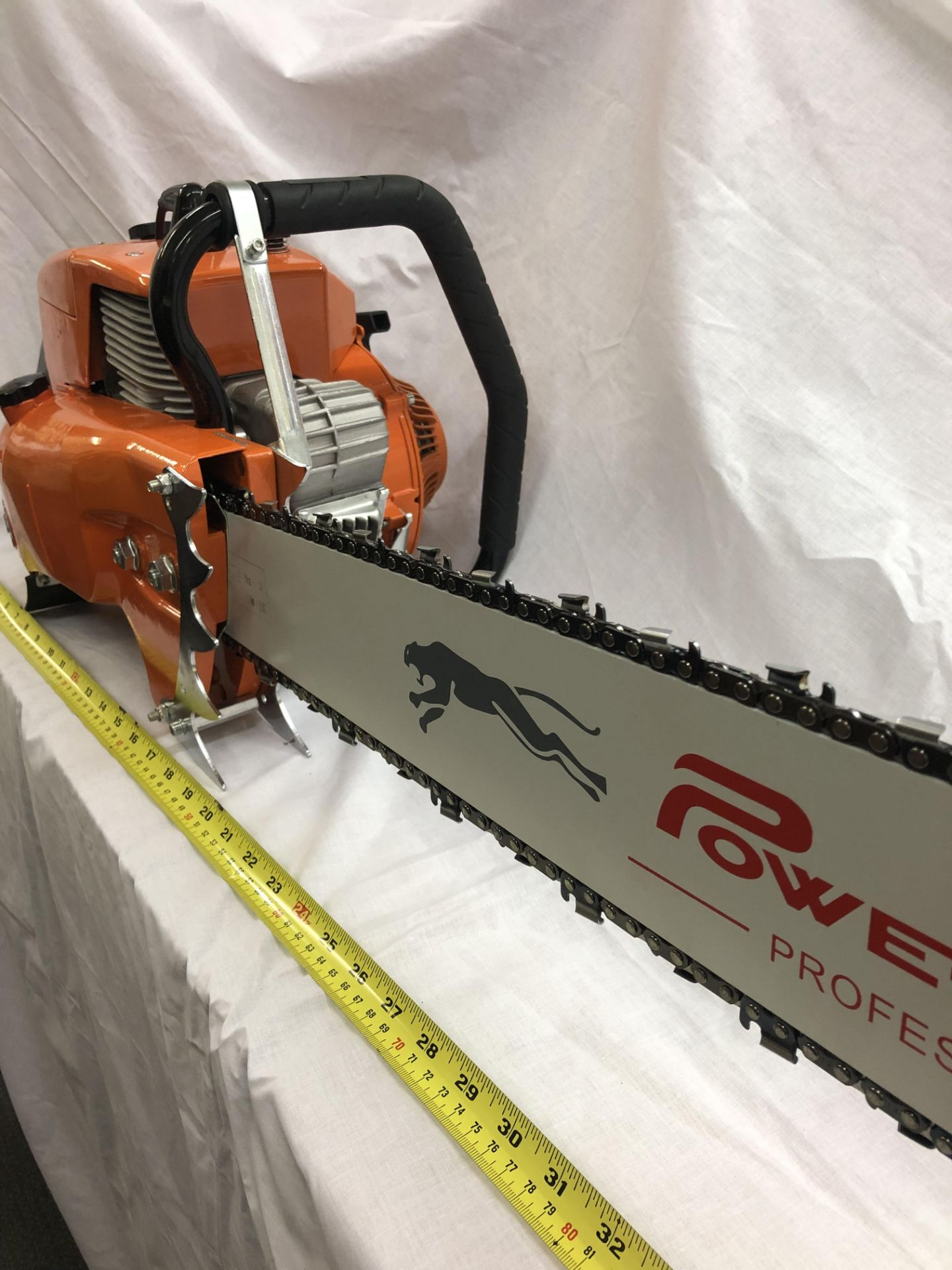 Lot 32288 - V Brand New 4.8KW Gasoline Chain Saw With 80cm Long Cutting Bar