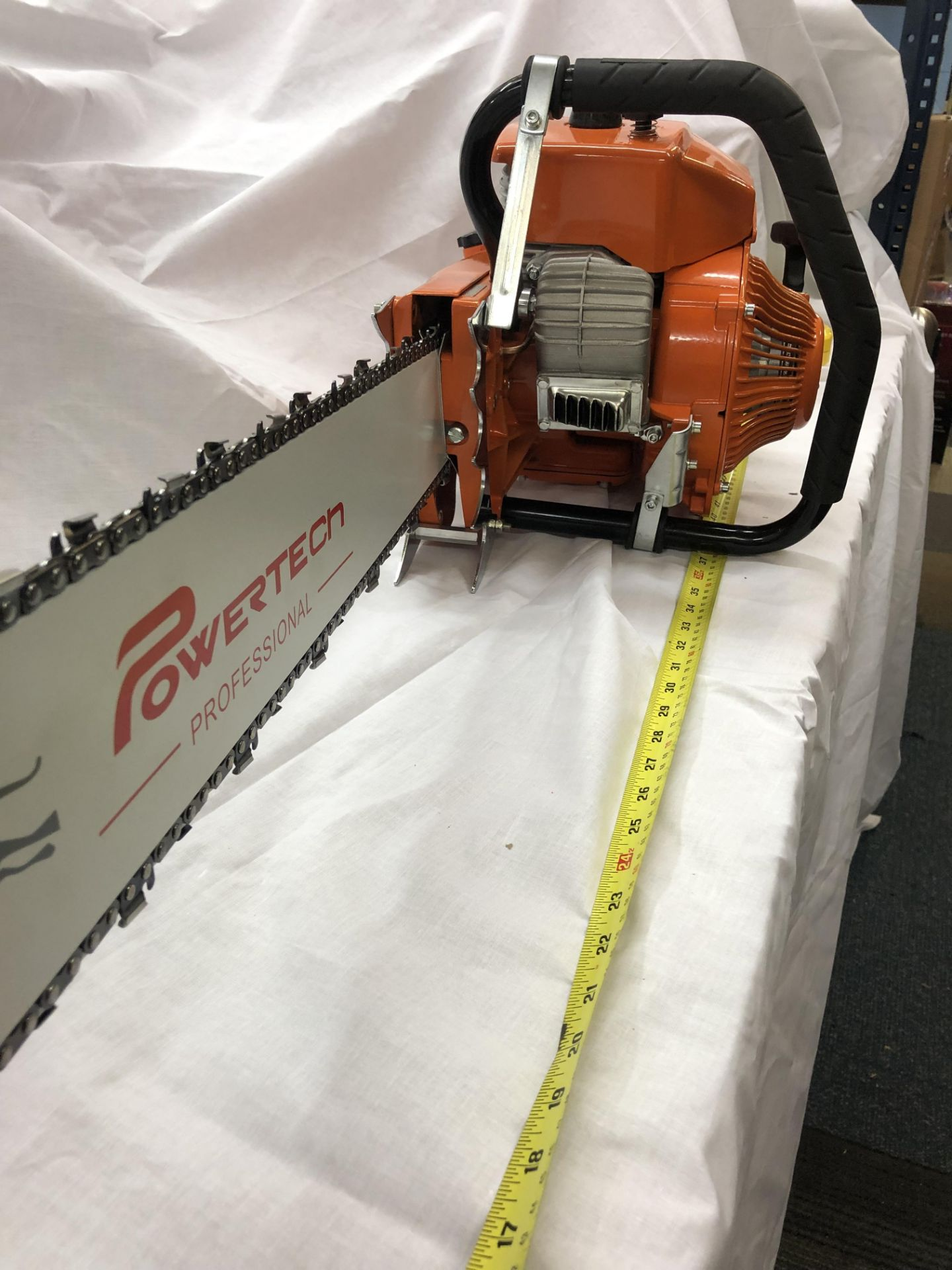 Lot 31896 - V Brand New 4.8KW Gasoline Chain Saw With 80cm Long Cutting Bar