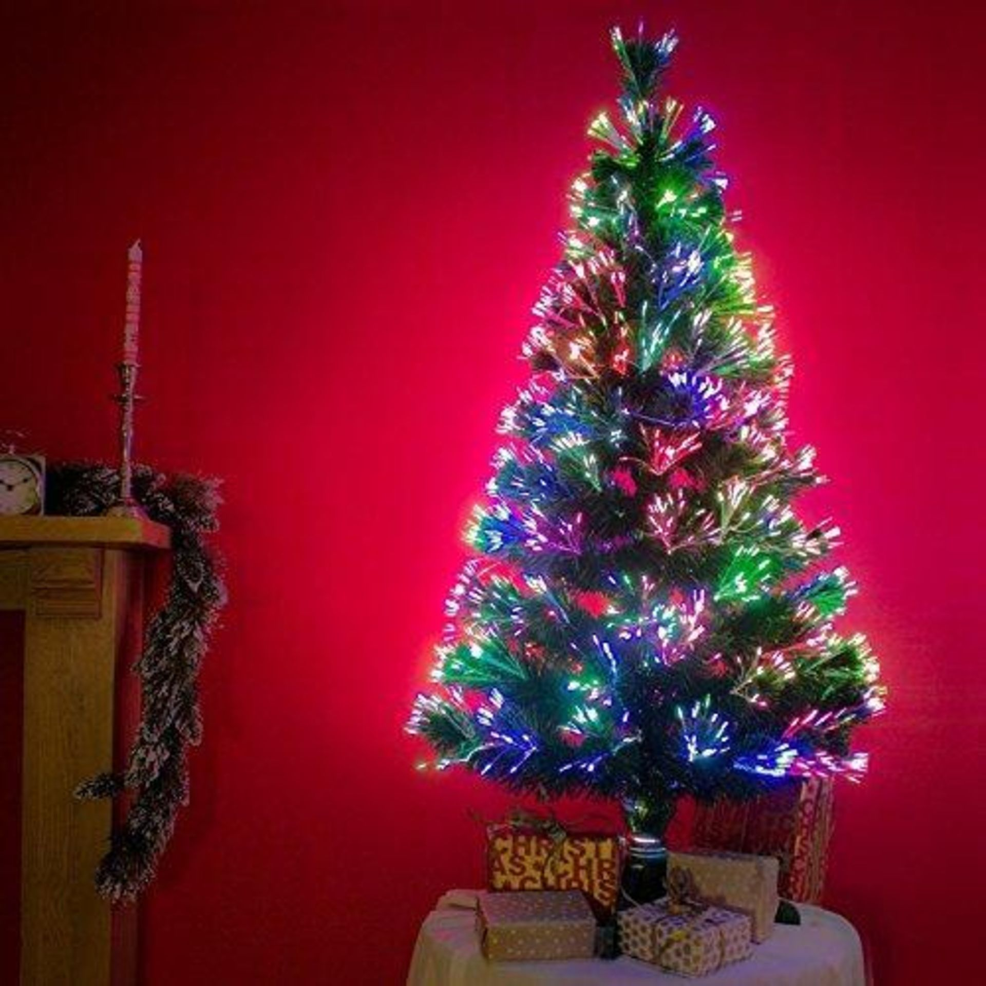 Lot 18002 - V Brand New 90CM Luxury Fibre Optic Christmas Tree With LEDs