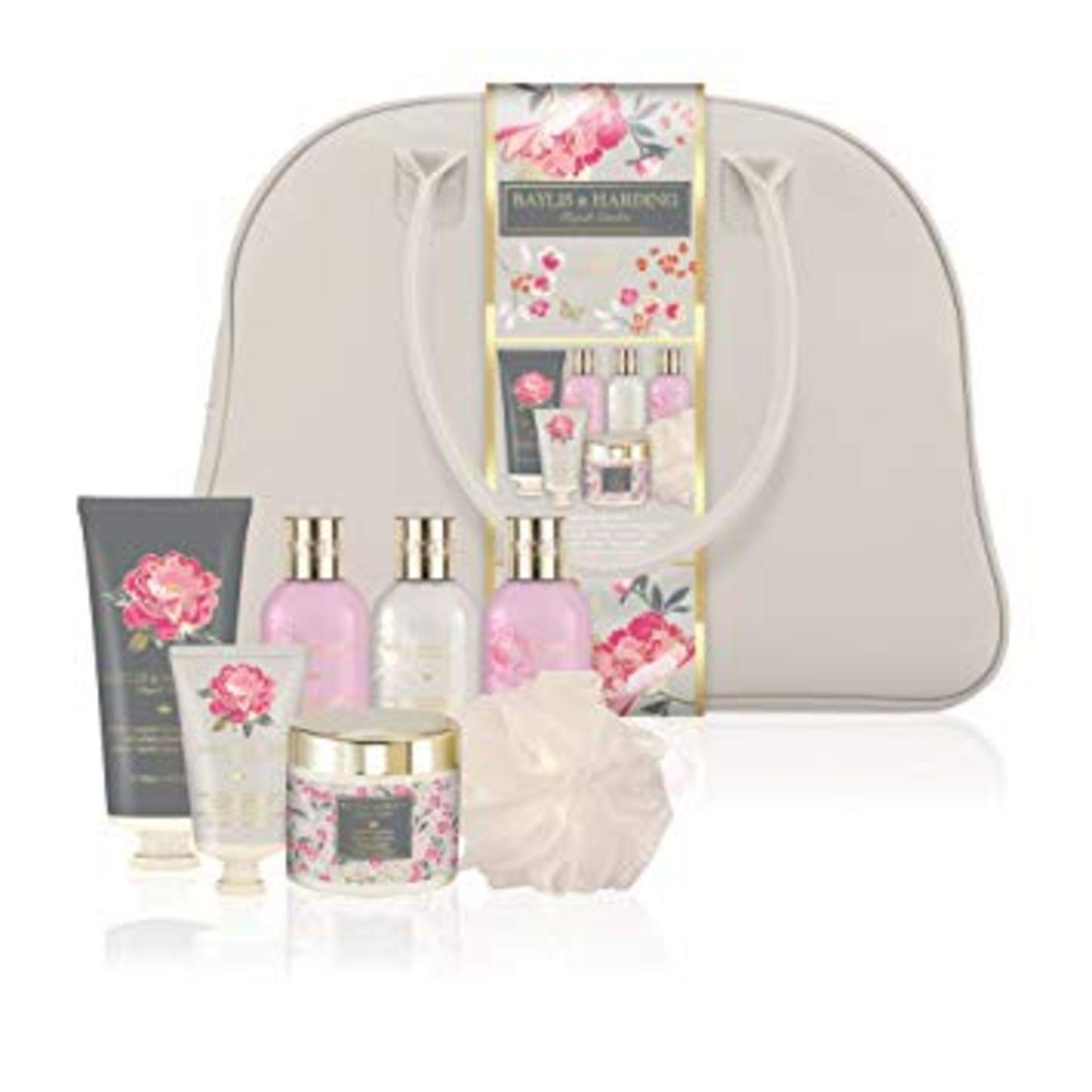 Lot 18187 - V Brand New Baylis & Harding Pink Magnolia & Pear Blossom Weekend Bag Inc 200ml Body Wash + 100ml