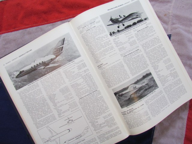 Lot 35 - Jane's All The World's Aircraft