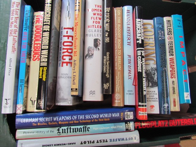 Lot 20 - Aviation Books