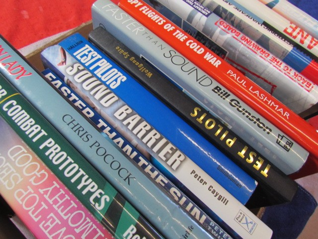 Lot 11 - Aviation Books