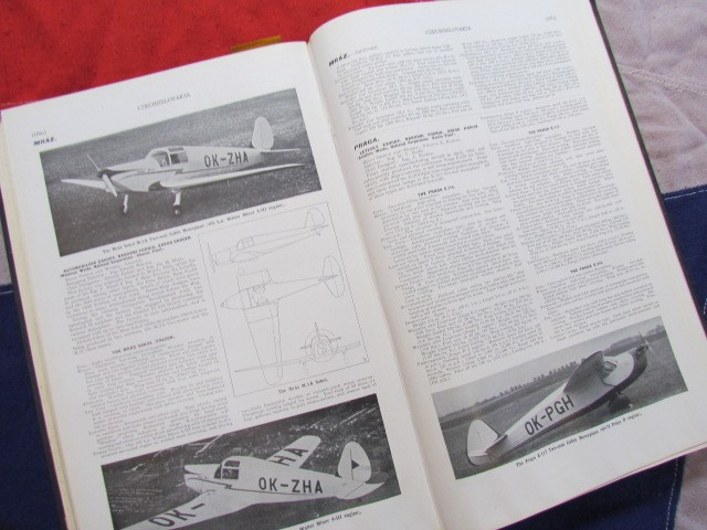 Lot 44 - Jane's All The World's Aircraft